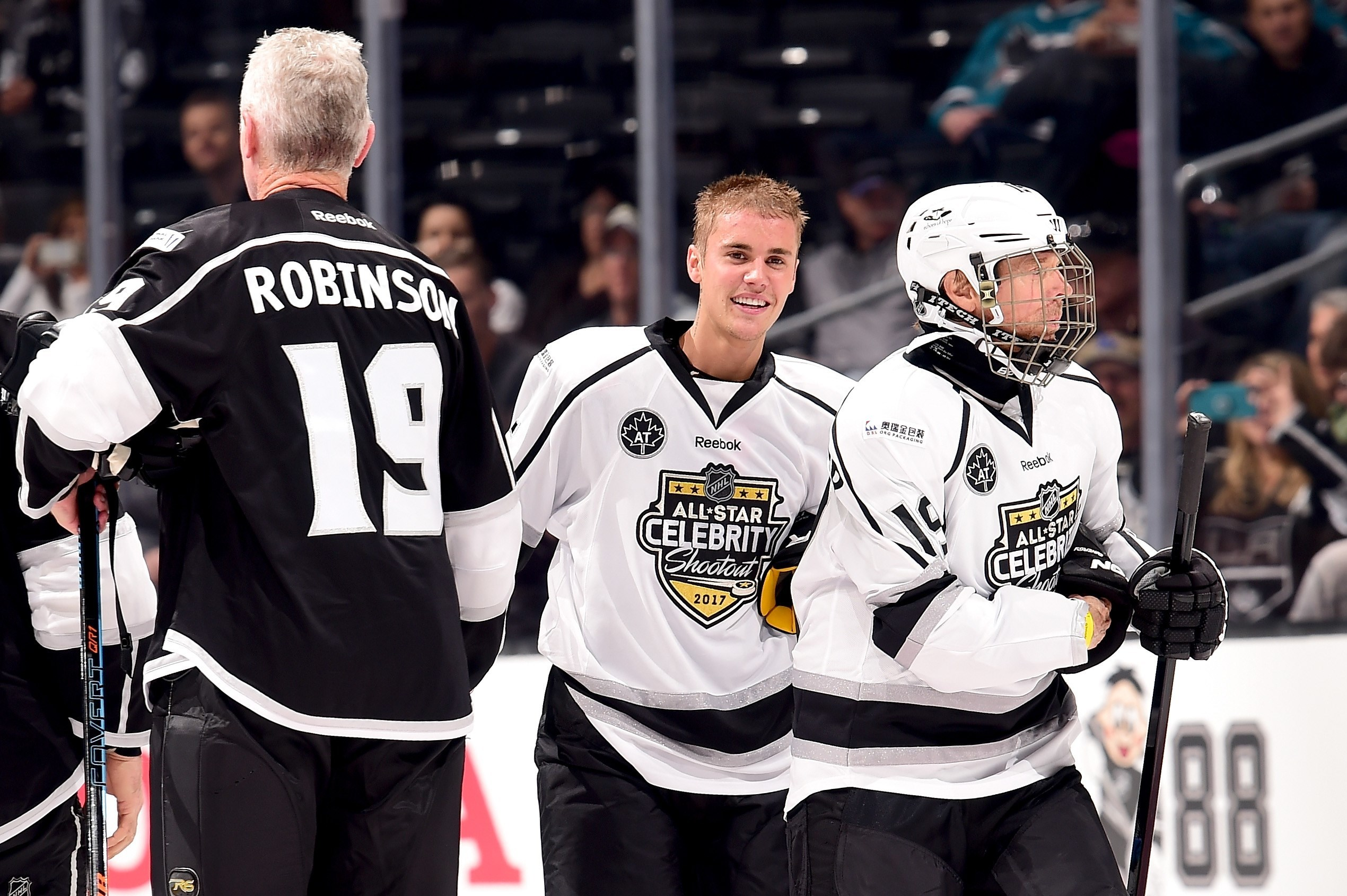 Justin Bieber plays hockey with the West Point hockey team