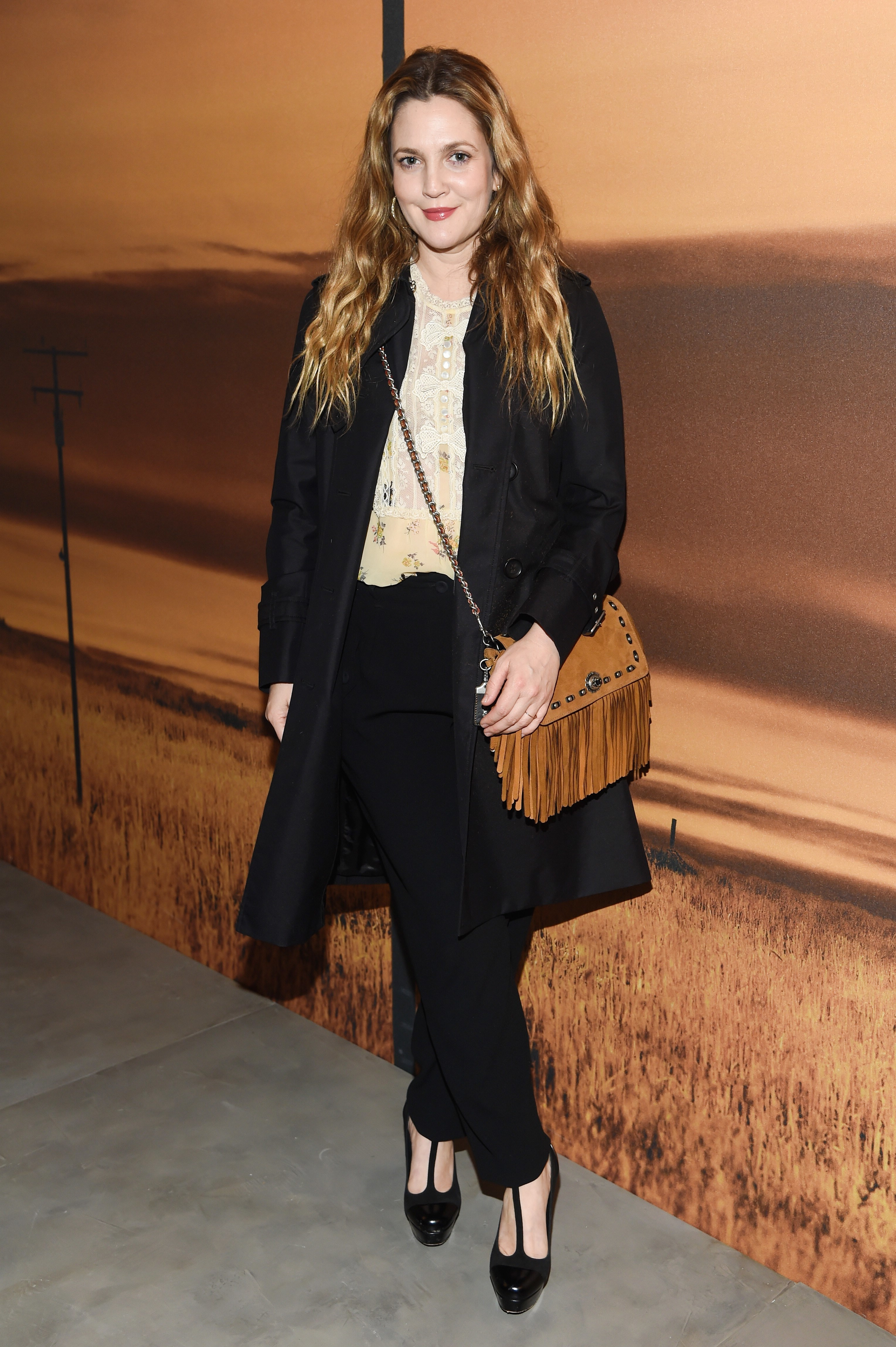 hutchinson dating Watch video drew barrymore is dating david hutchinson following her divorce from will kopelman, us weekly can confirm barrymore, 42, and her new beau actually have a work connection hutchinson is the.