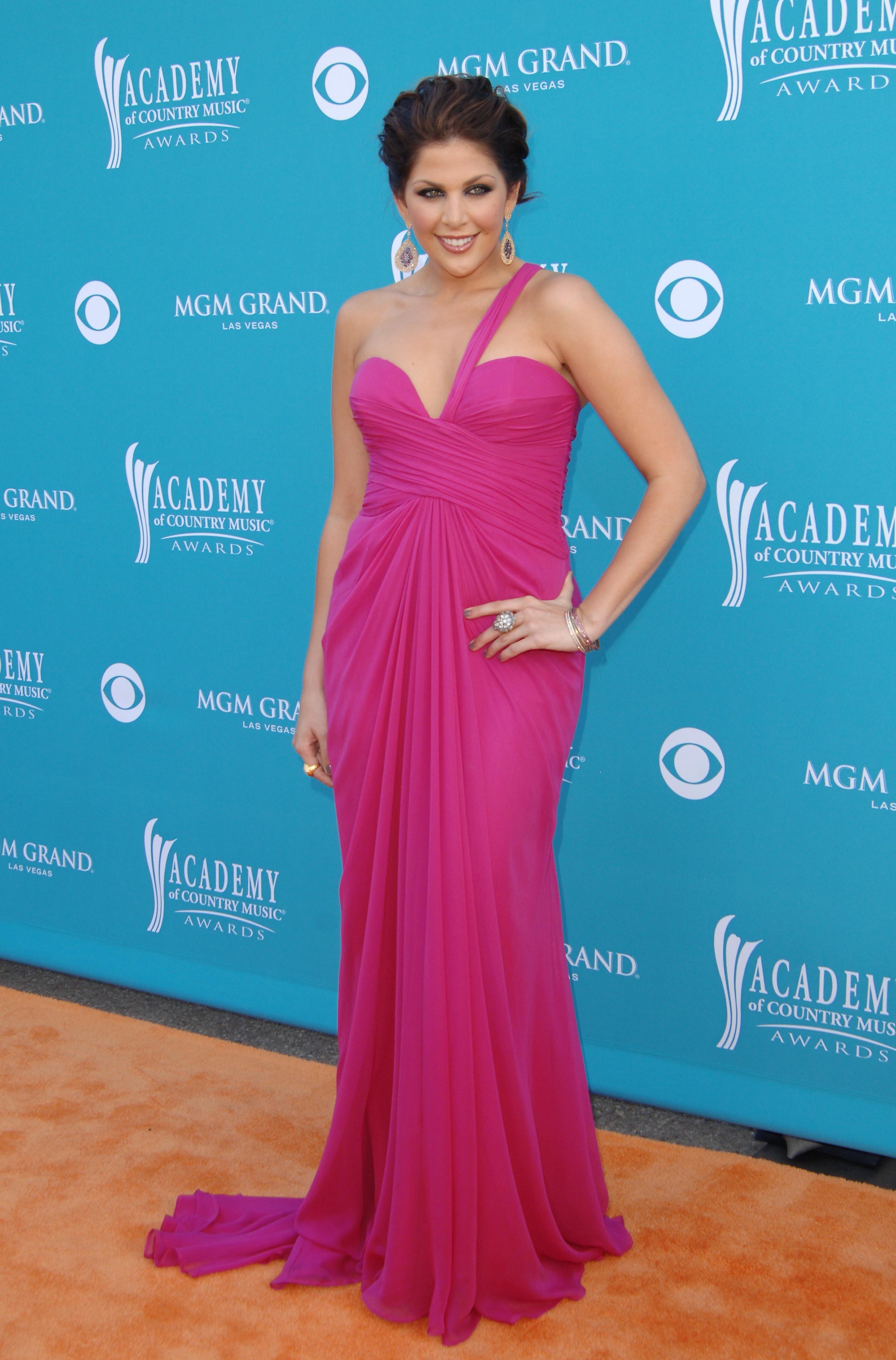 2010: Hillary Scott