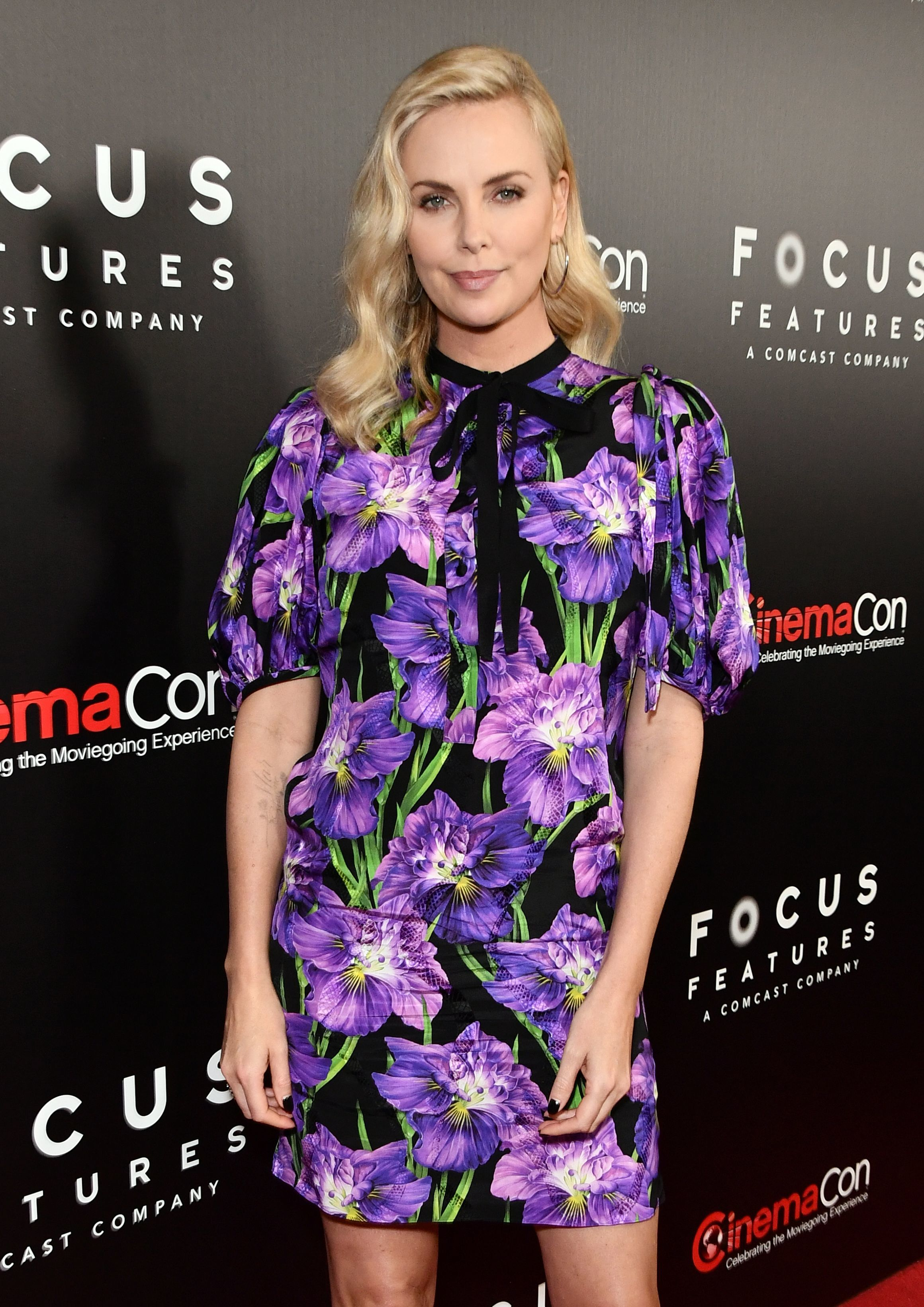 Charlize Theron: Good tipper