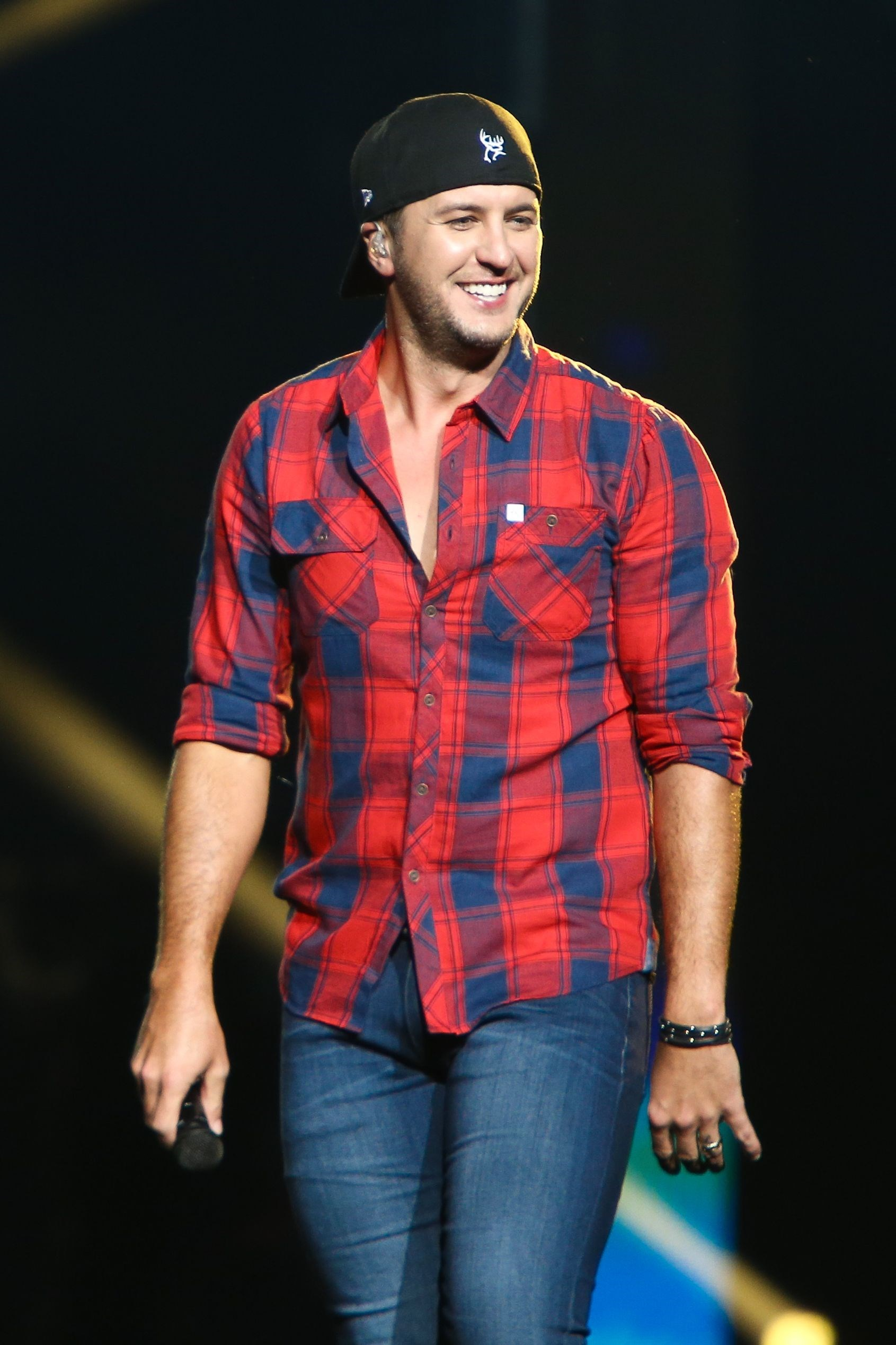 Luke Bryan Performing Celebs Pics For Feb 27 March 3 2017 Gallery