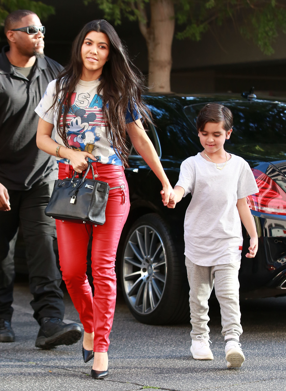 Kourtney Kardashian, son Mason Disick - Celebs with their ...
