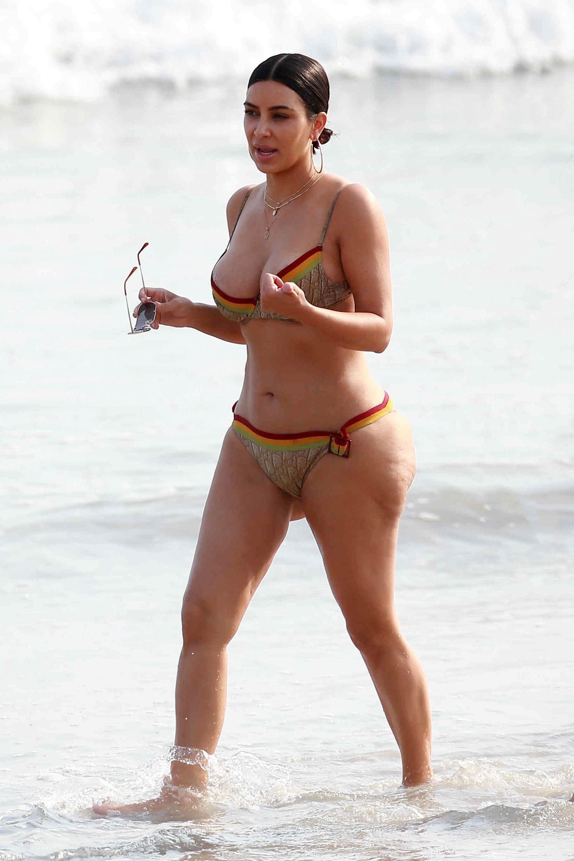 Celebrity beaches Nude Photos 44