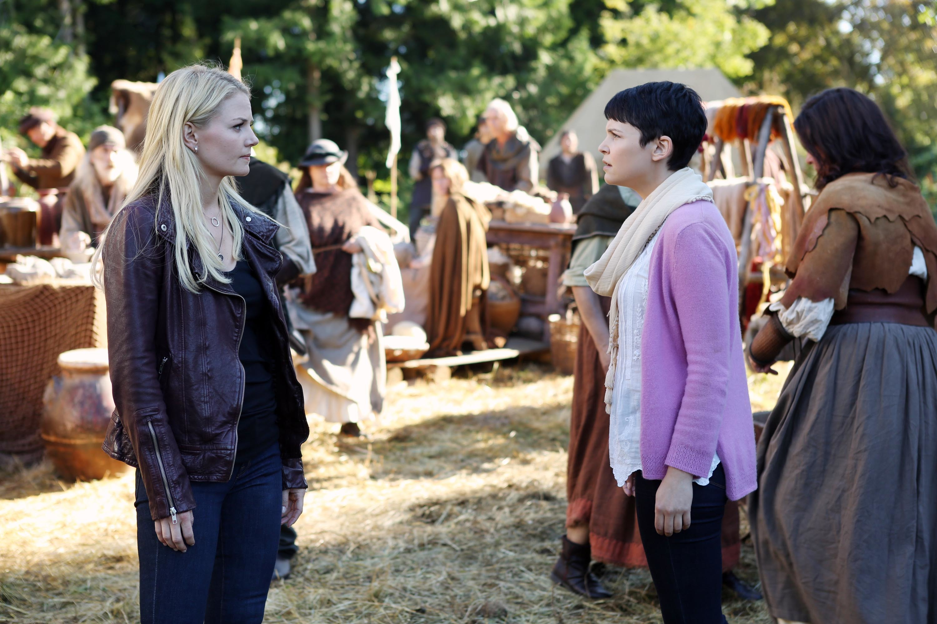 "Jennifer Morrison and Ginnifer Goodwin star in ""Once Upon A Time."" 2011 image still."