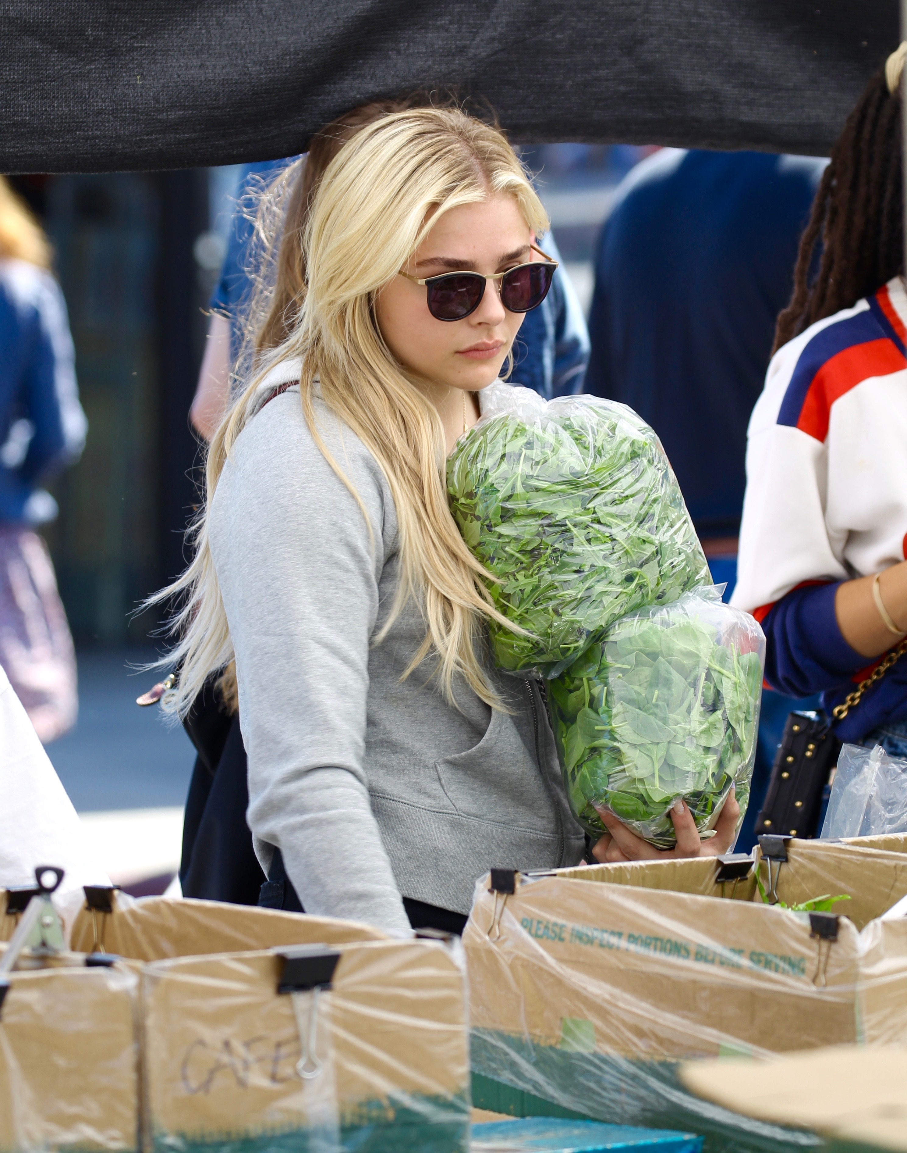 Chloe Moretz shops at the Studio City Farmers Market in Los Angeles on May 21, 2017.