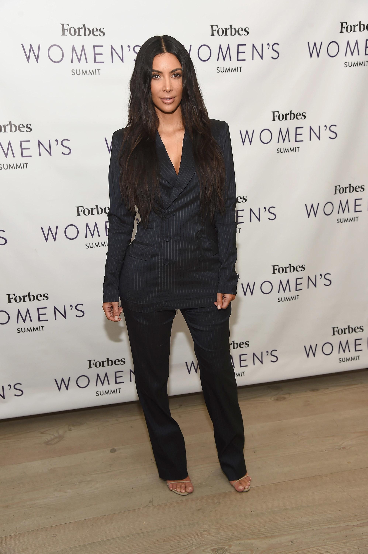 Kim Kardashian defuses her fans' feud with Jeffree Star
