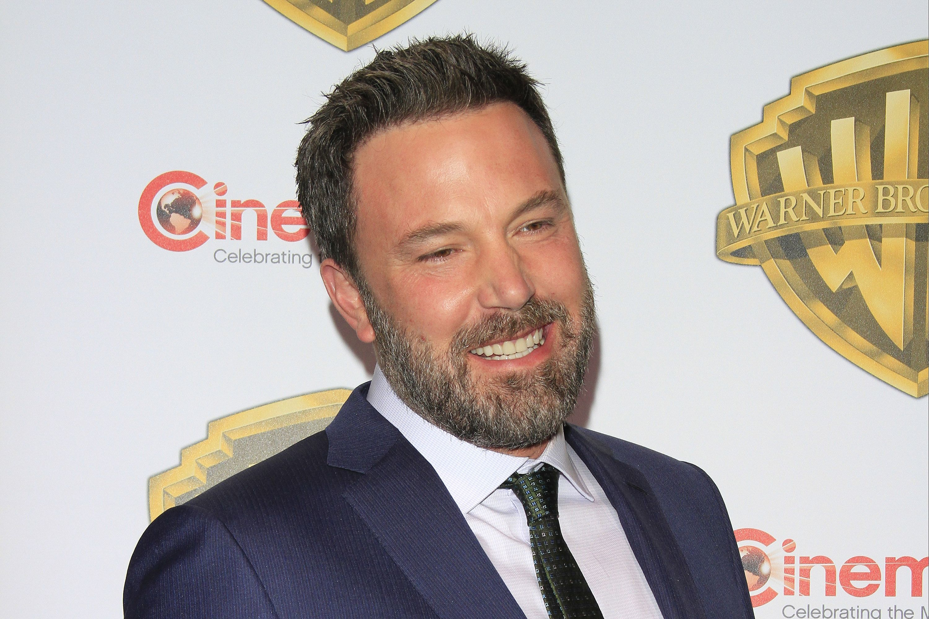 PHOTO REPORT Ben Affleck is dating SNL producer Lindsay Shookus