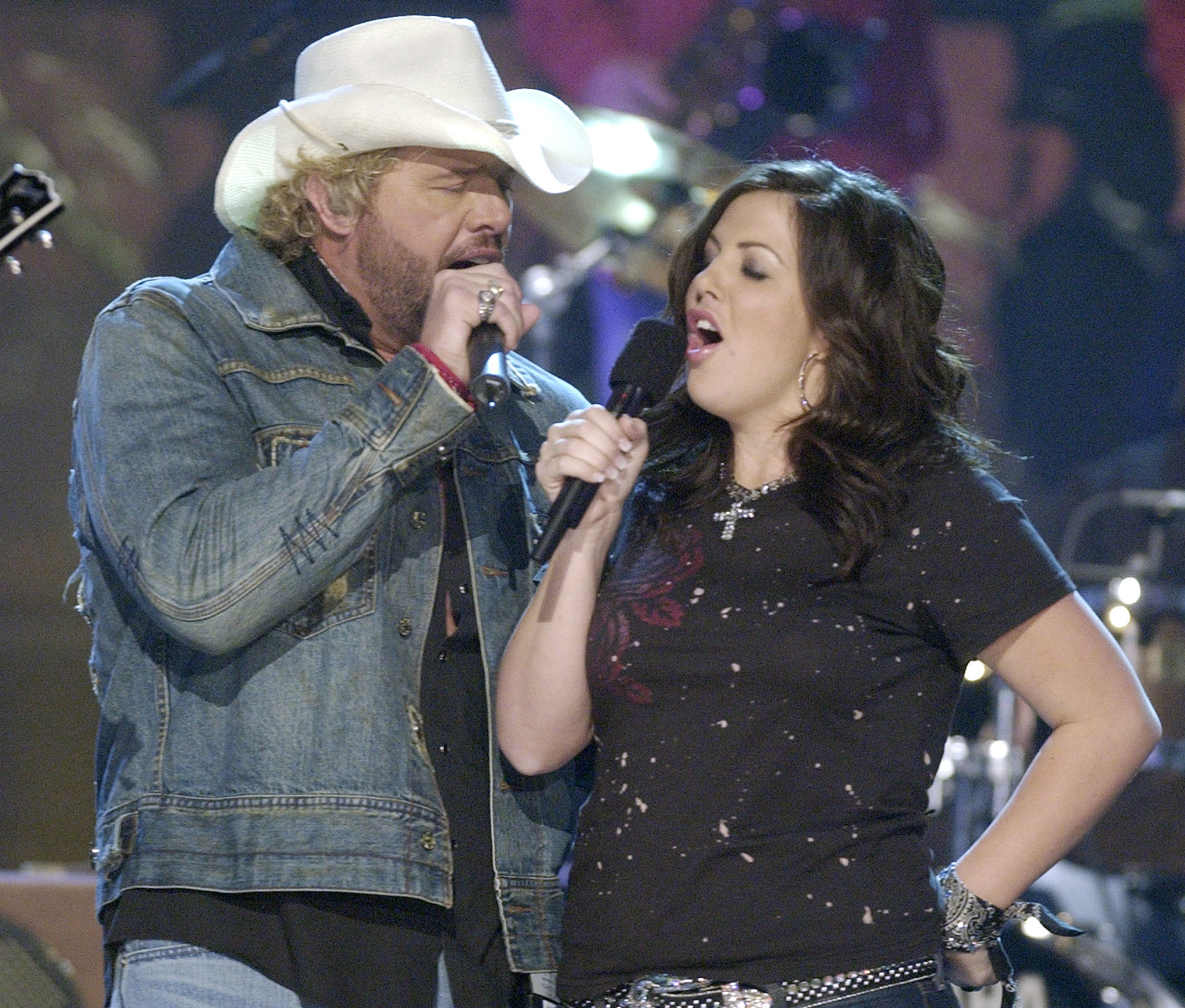 "Toby Keith and his daughter, Krystal, perform ""Mockingbird"" at the Country Music Association Awards show, in Nashville in 2004."