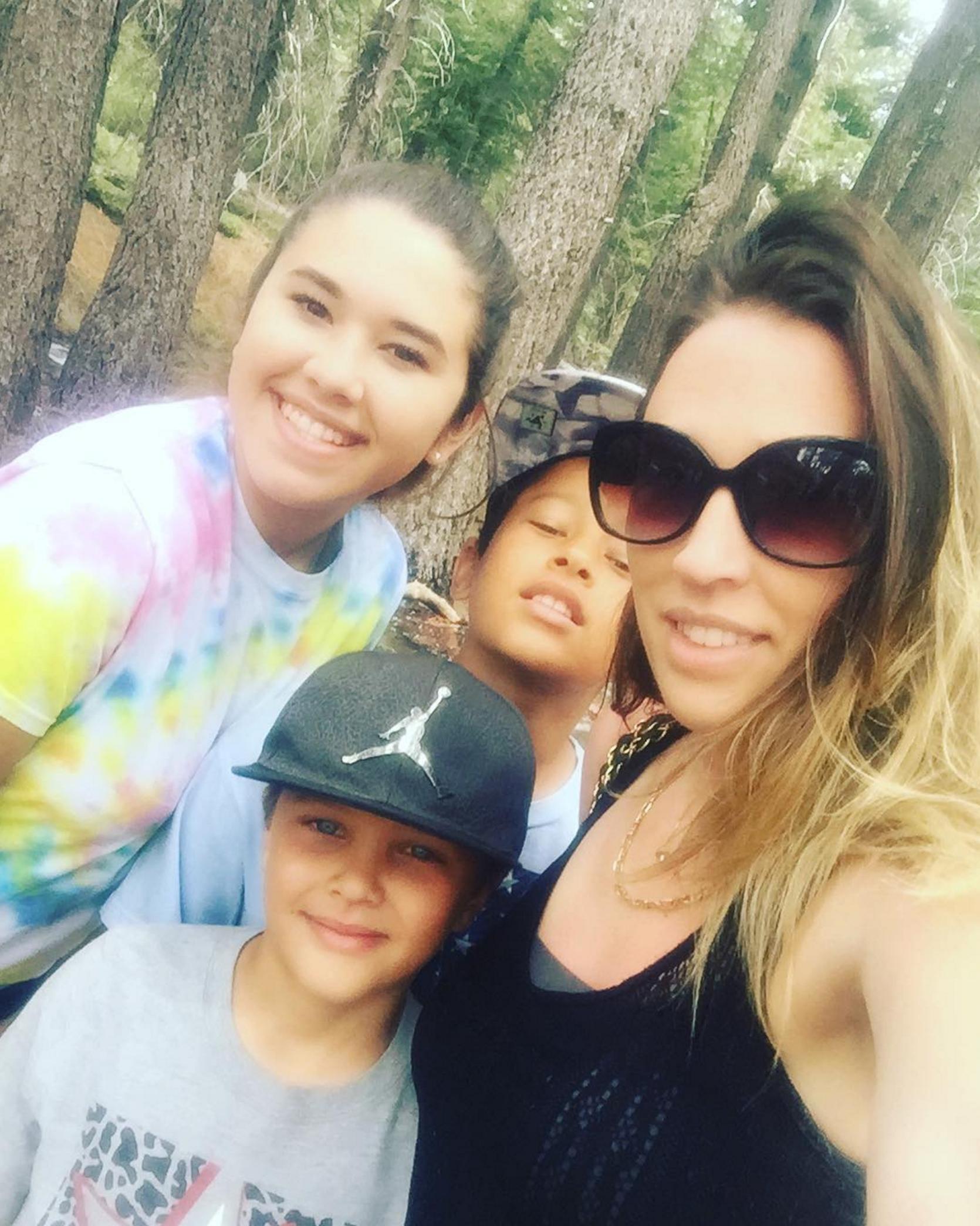 Melissa Meeks and kids