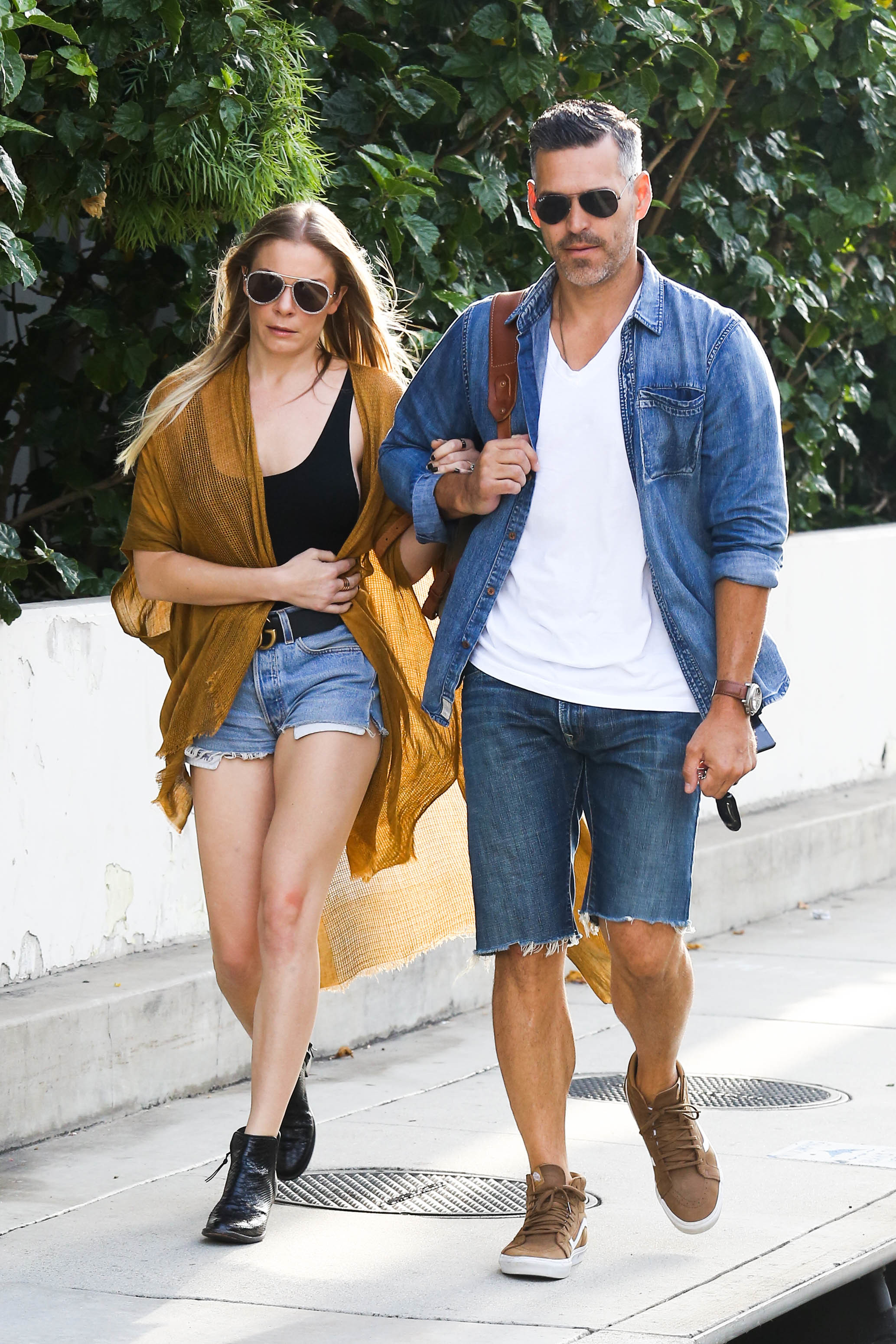 LeAnn Rimes and Eddie Cibrian arrives at LAX international airport in Los Angeles on July 23, 2017.
