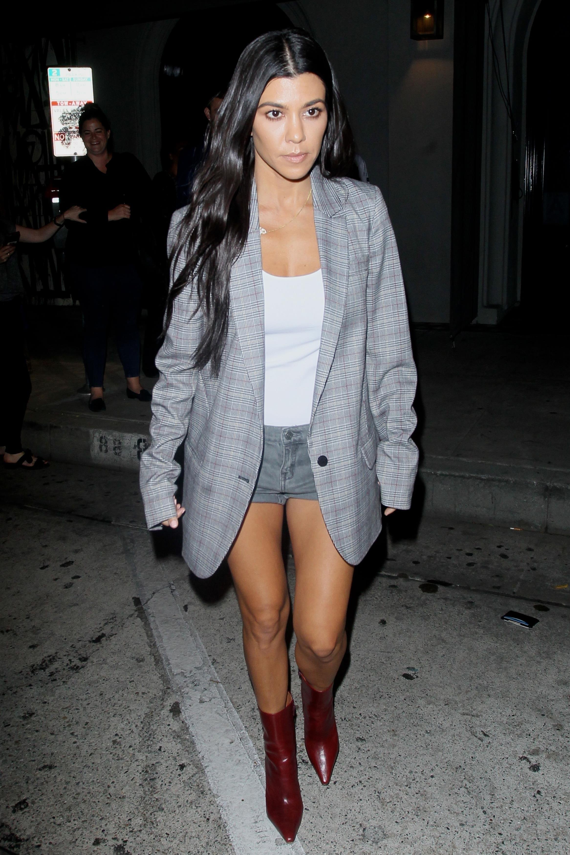 Kourtney Kardashian Overview Wonderwall Com