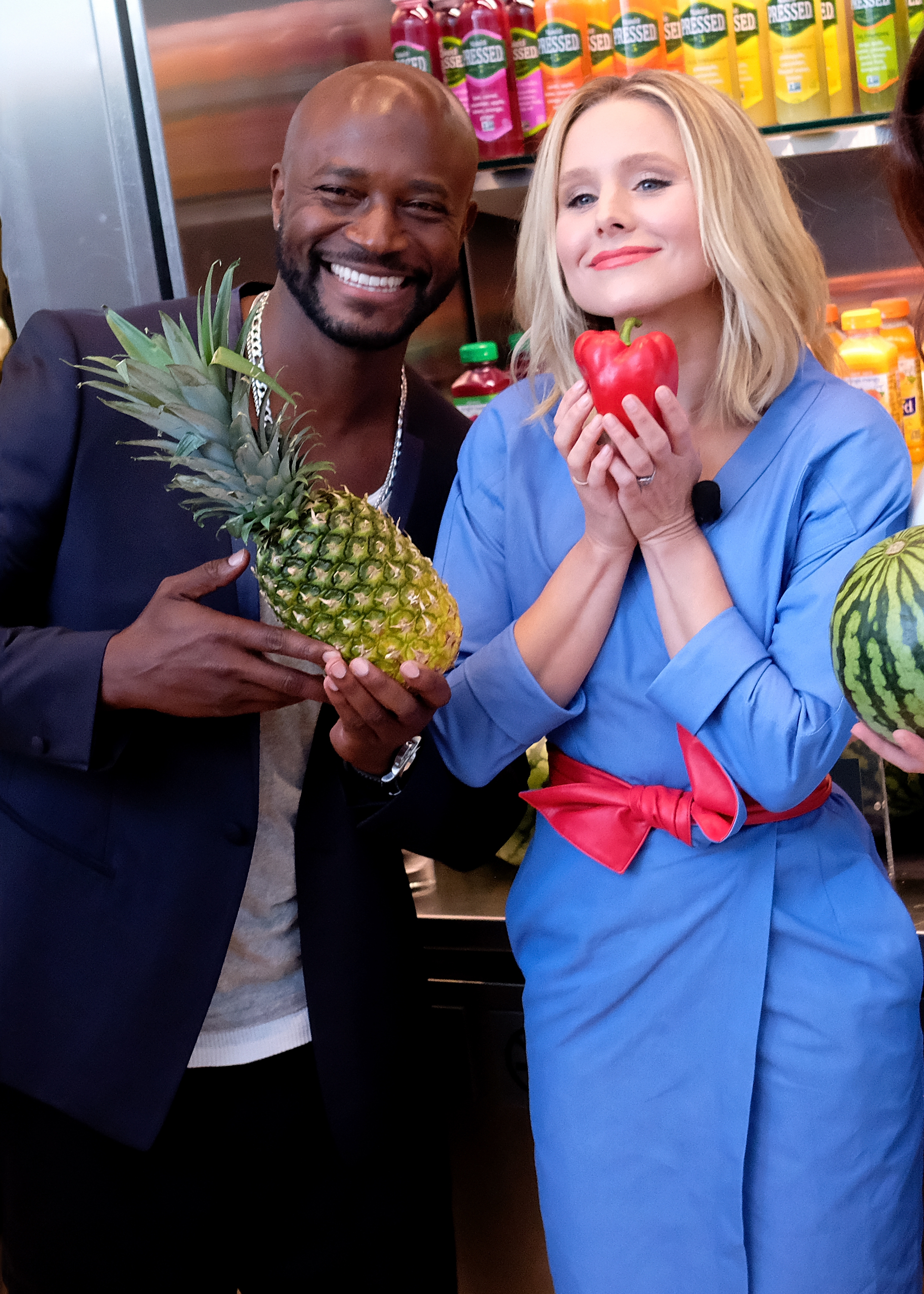 Taye Diggs and Kristen Bell attends the 2017 #DrinkGoodDoGood Campaign Launch at Little River in New York City on Aug. 9, 2017.