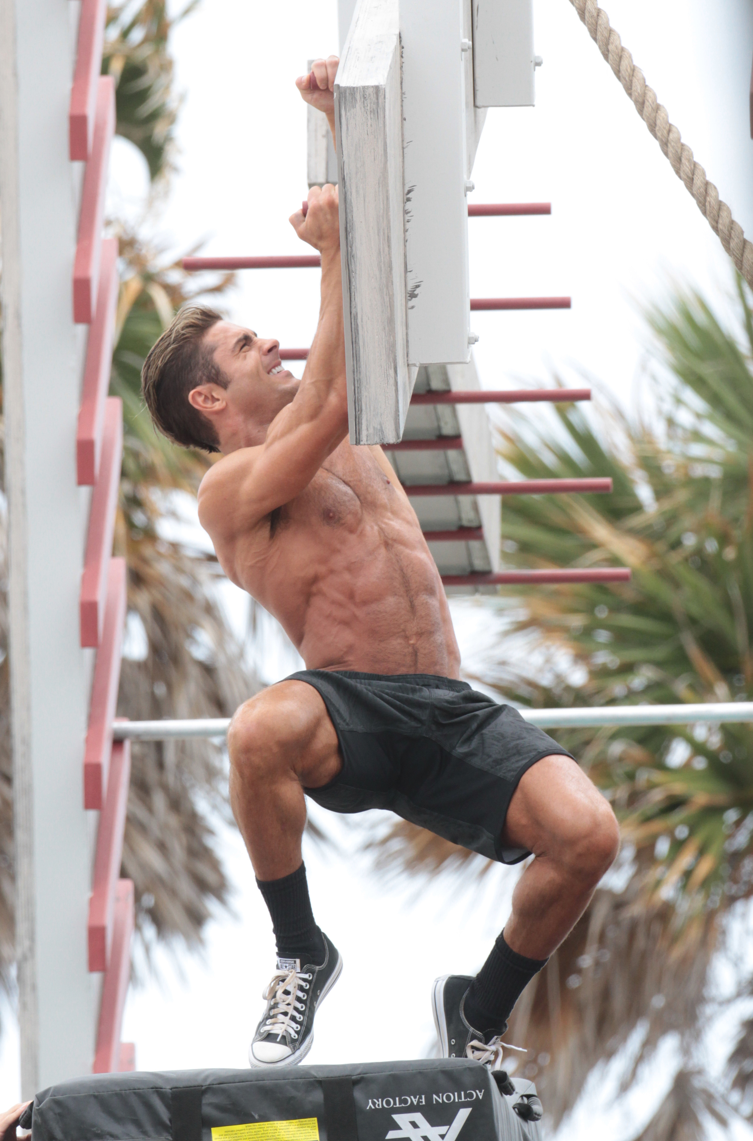 """Shirtless Zac Efron on the set of """"Baywatch"""" in Miami in an undated picture."""