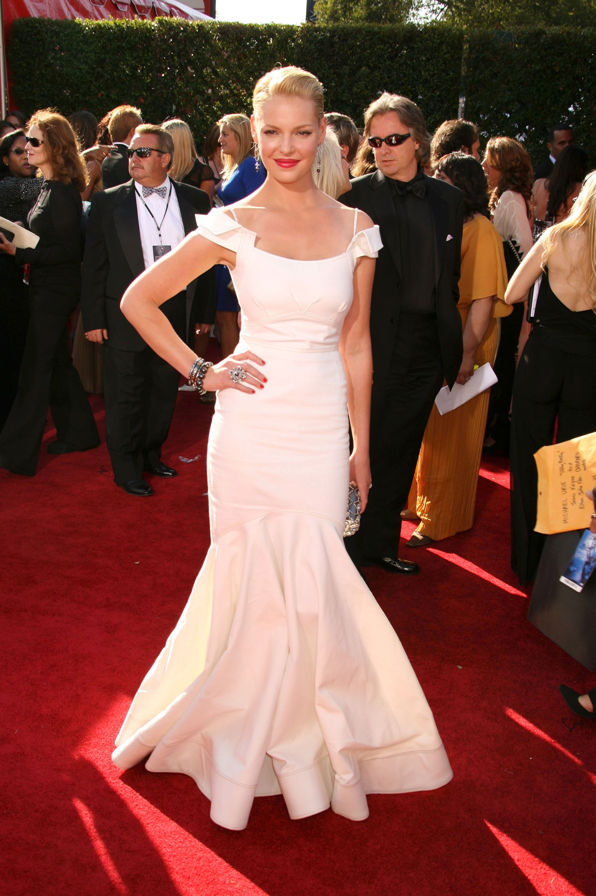 Katherine Heigl arrives at the 59th Annual Primetime Emmy Awards at the Shrine Auditorium in Los Angeles on Sept. 16, 2007.