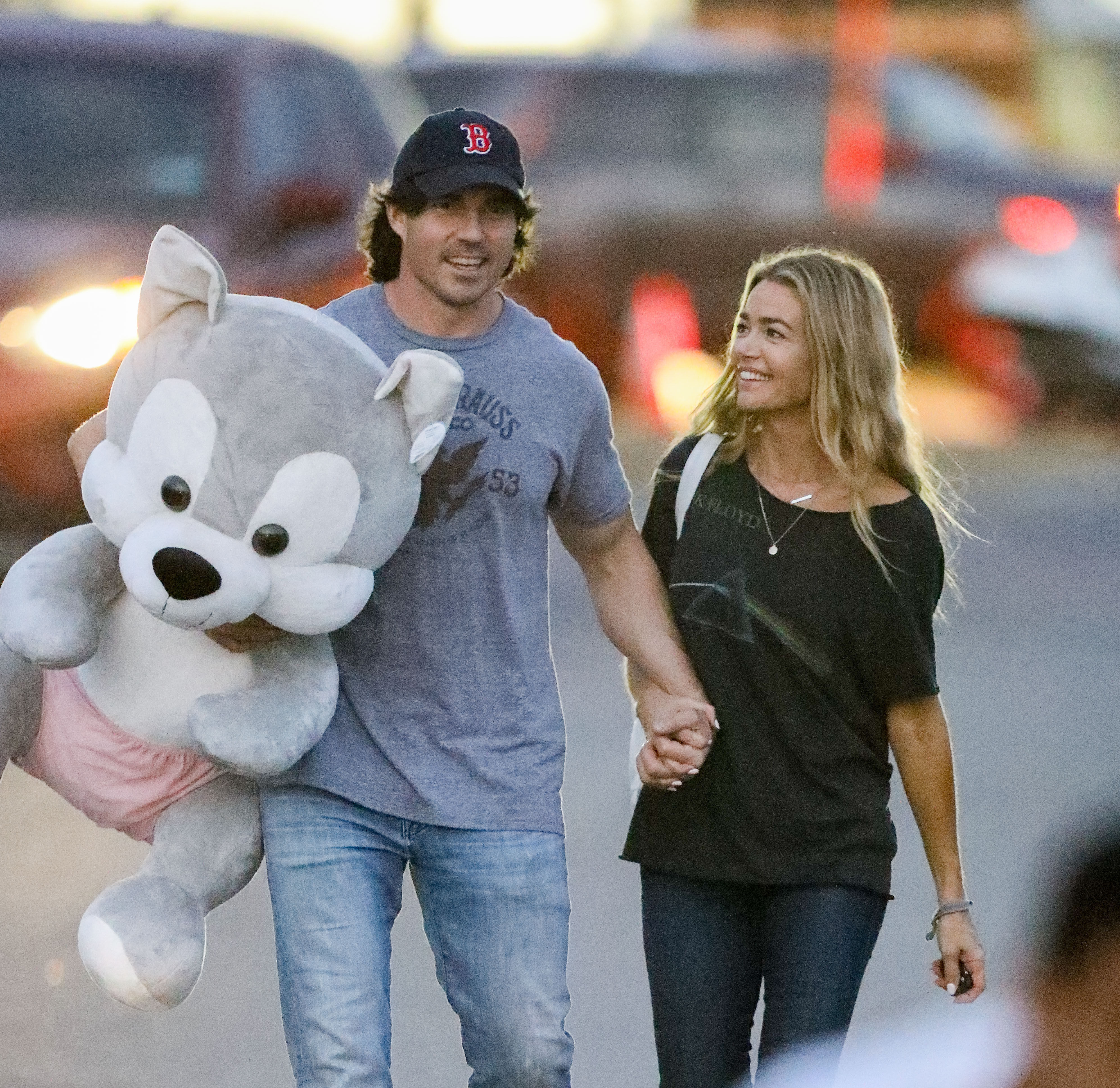 Denise Richards was all smiles with her new boyfriend at the 36th Annual Malibu Chili Cook Off in Los Angeles, Calif., on Sept. 1, 2017.