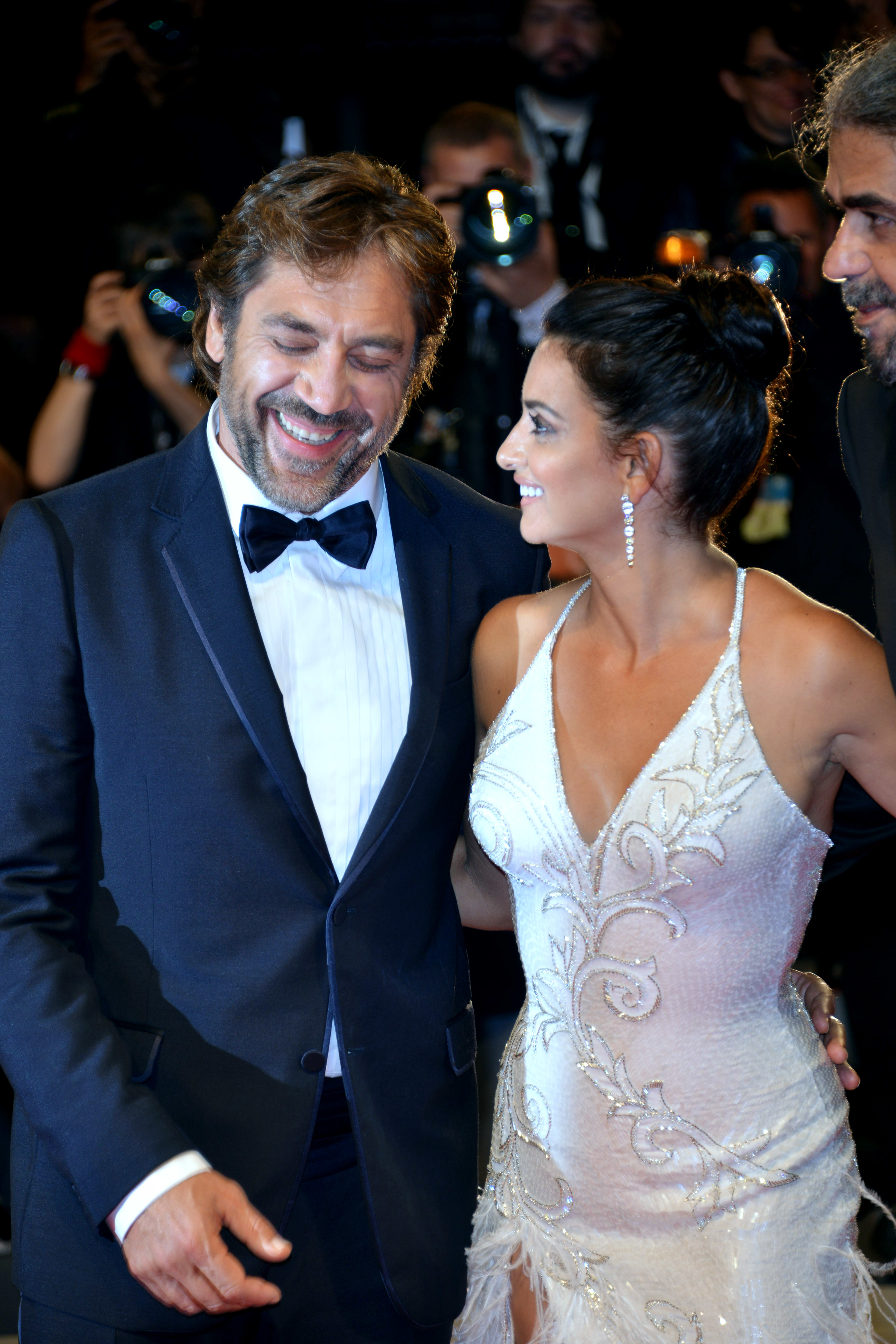 """Javier Bardem and Penelope Cruz looked to be so in love while on the red carpet for the """"Loving Pablo"""" premiere during the 74th Venice Film Festival in Venice, Italy on Sept. 6, 2017."""