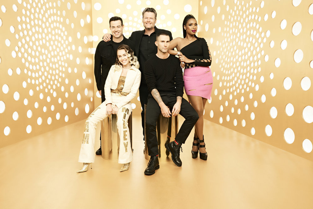 """""""The Voice"""" Season 13 stars Carson Daly, Miley Cyrus, Blake Shelton, Adam Levine and Jennifer Hudson pose for a photo in 2017."""