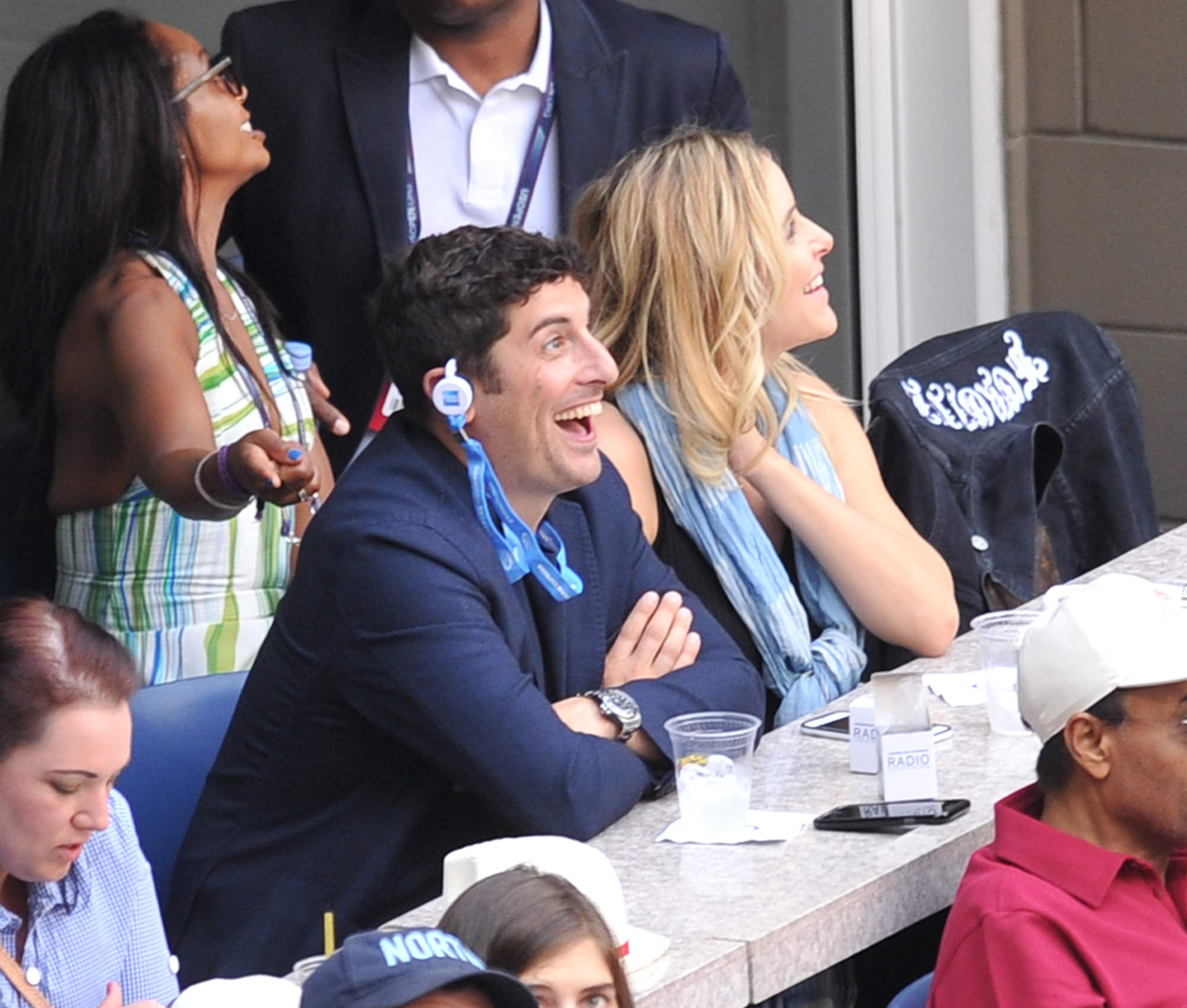 Jason Biggs and Jenny Mollen attend The US Open Tennis Mens Finals in New York City on Sept. 10, 2017.