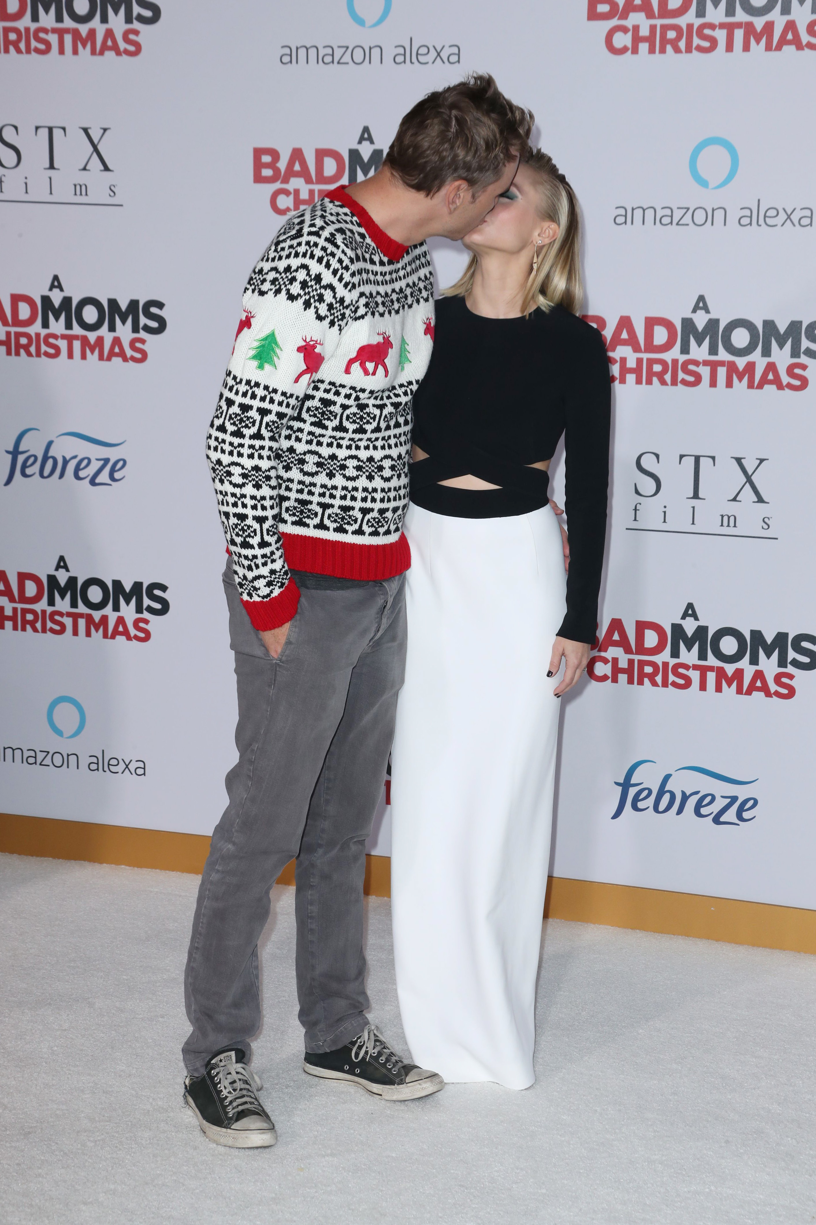 "Dax Shepard and Kristen Bell were a picture of cuteness at the ""A Bad Mom's Christmas"" premiere in Los Angeles on Oct. 30, 2017."