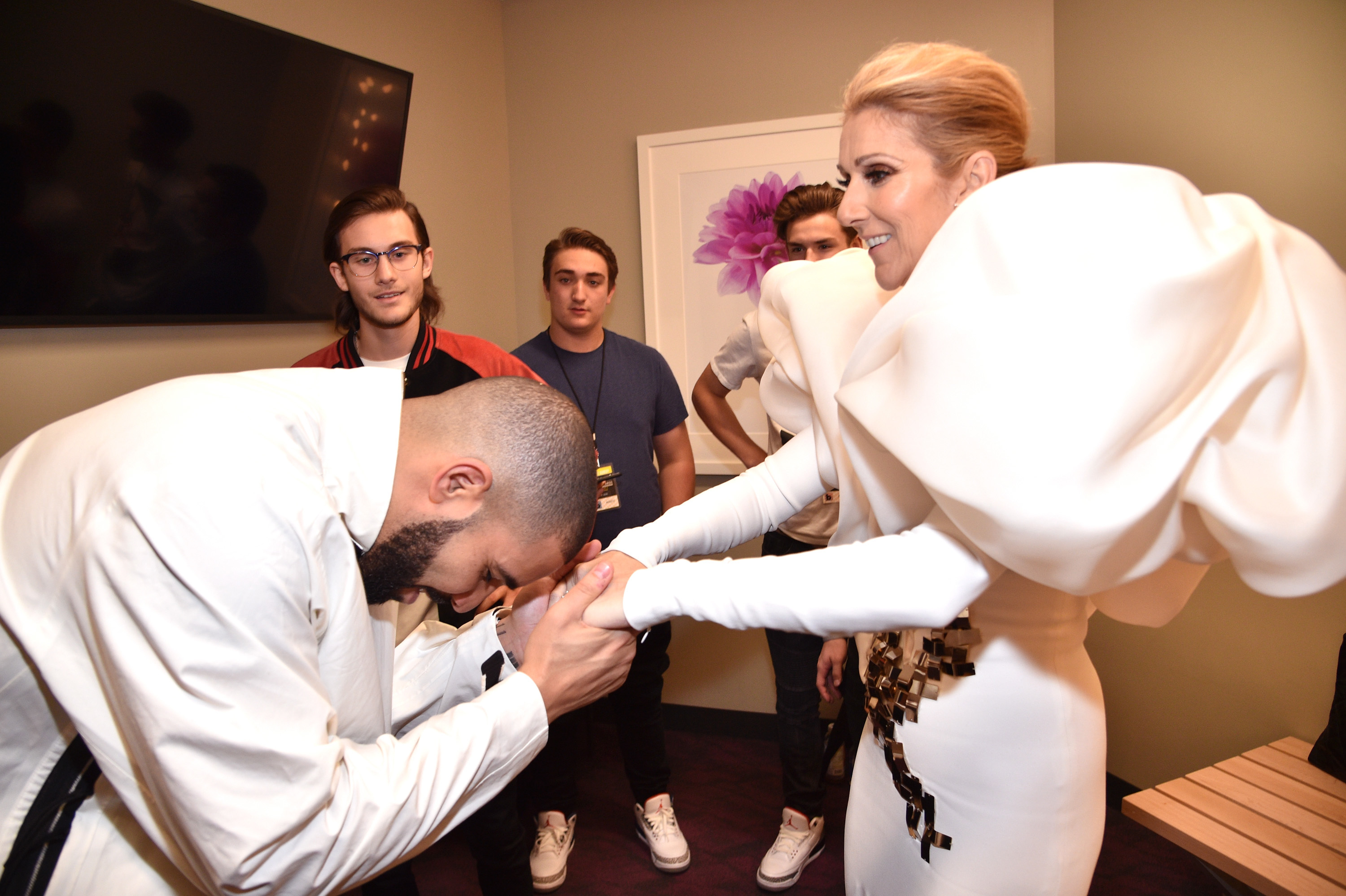 Even Drake bowed down to her