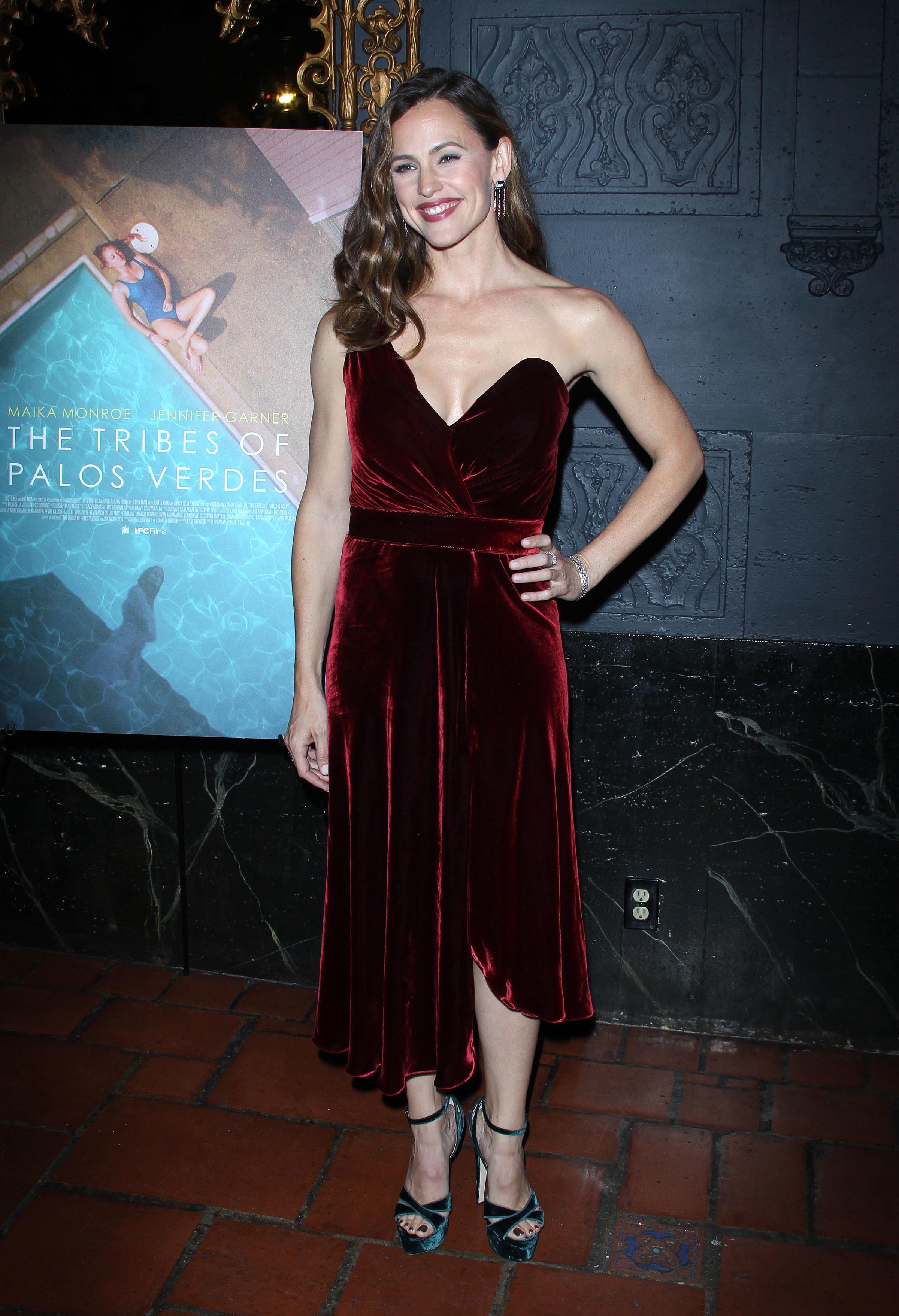 "Jennifer Garner attends the premiere of ""The Tribes of Palos Verdes"" in Los Angeles on Nov. 17, 2017."