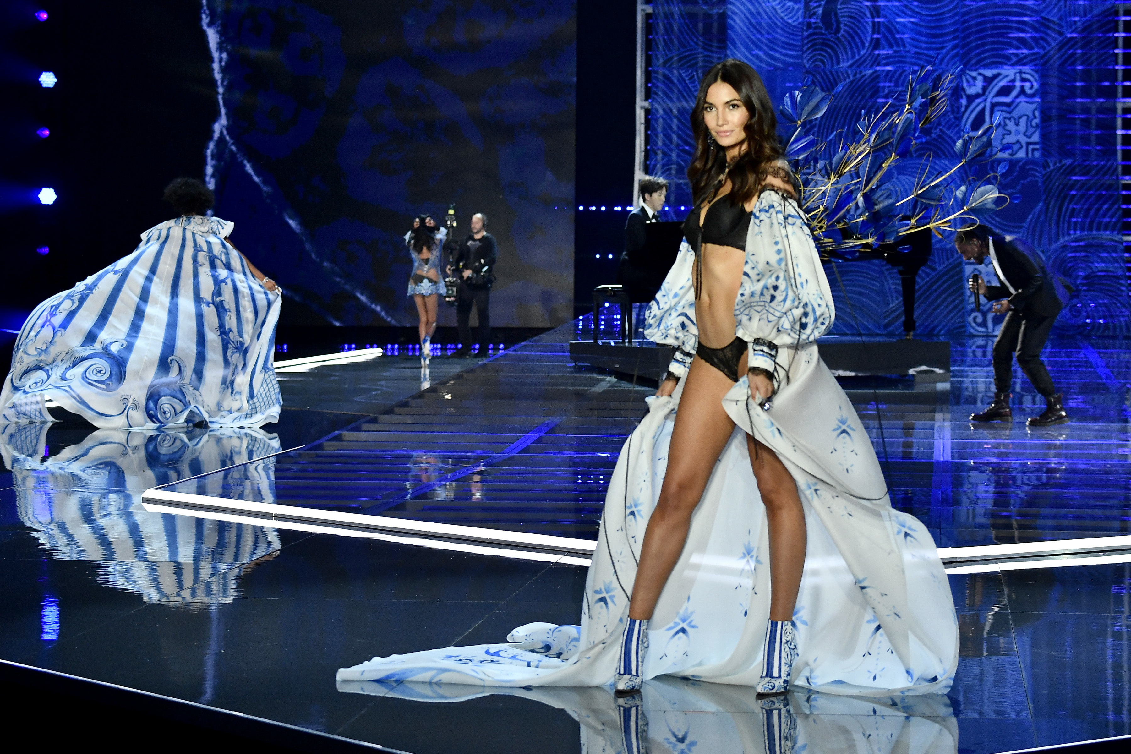 Lily Aldridge walks on the catwalk at the Victoria's Secret Fashion Show in Shanghai, China, on Nov. 20, 2017.