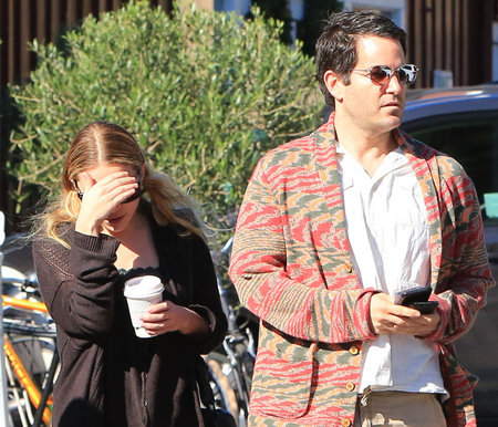 Ashley Olsen was spotted in Brentwood, grabbing a coffee and a bite with a male friend in Los Angeles on Nov. 25, 2017.