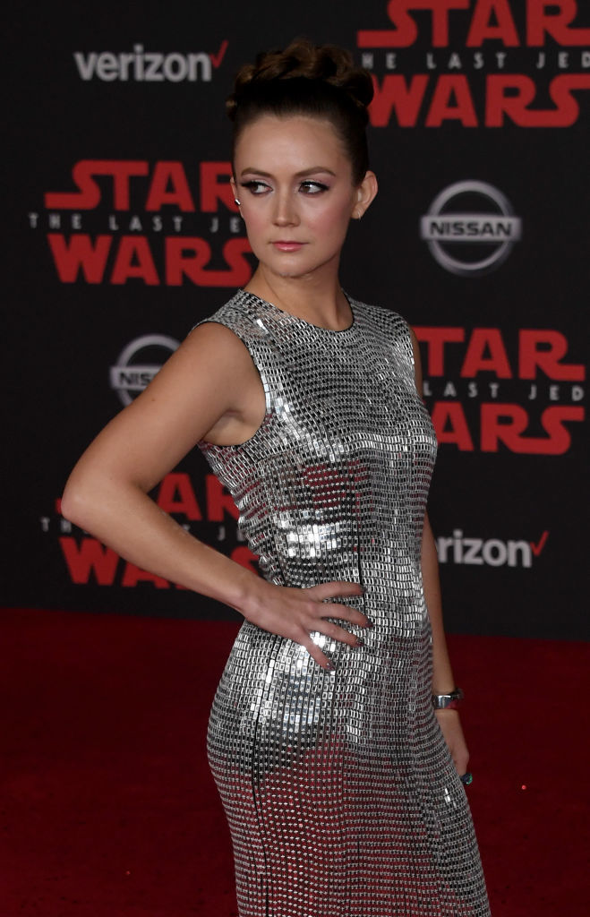 Billie Lourd pays tribute to Carrie Fisher at 'Star Wars' premiere