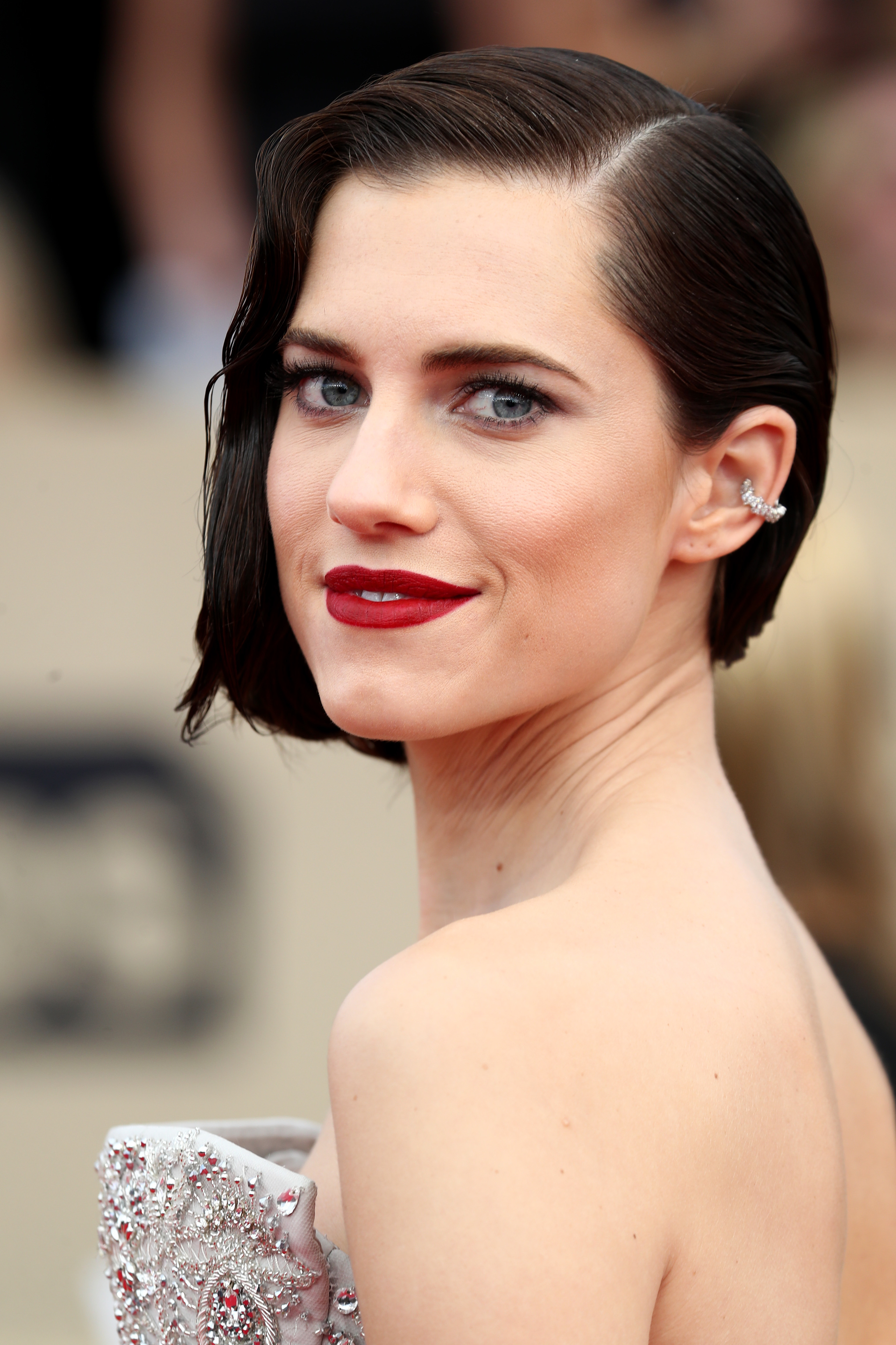 Allison Williams attends the 24th Annual Screen Actors Guild Awards in Los Angeles on Jan. 21, 2018.