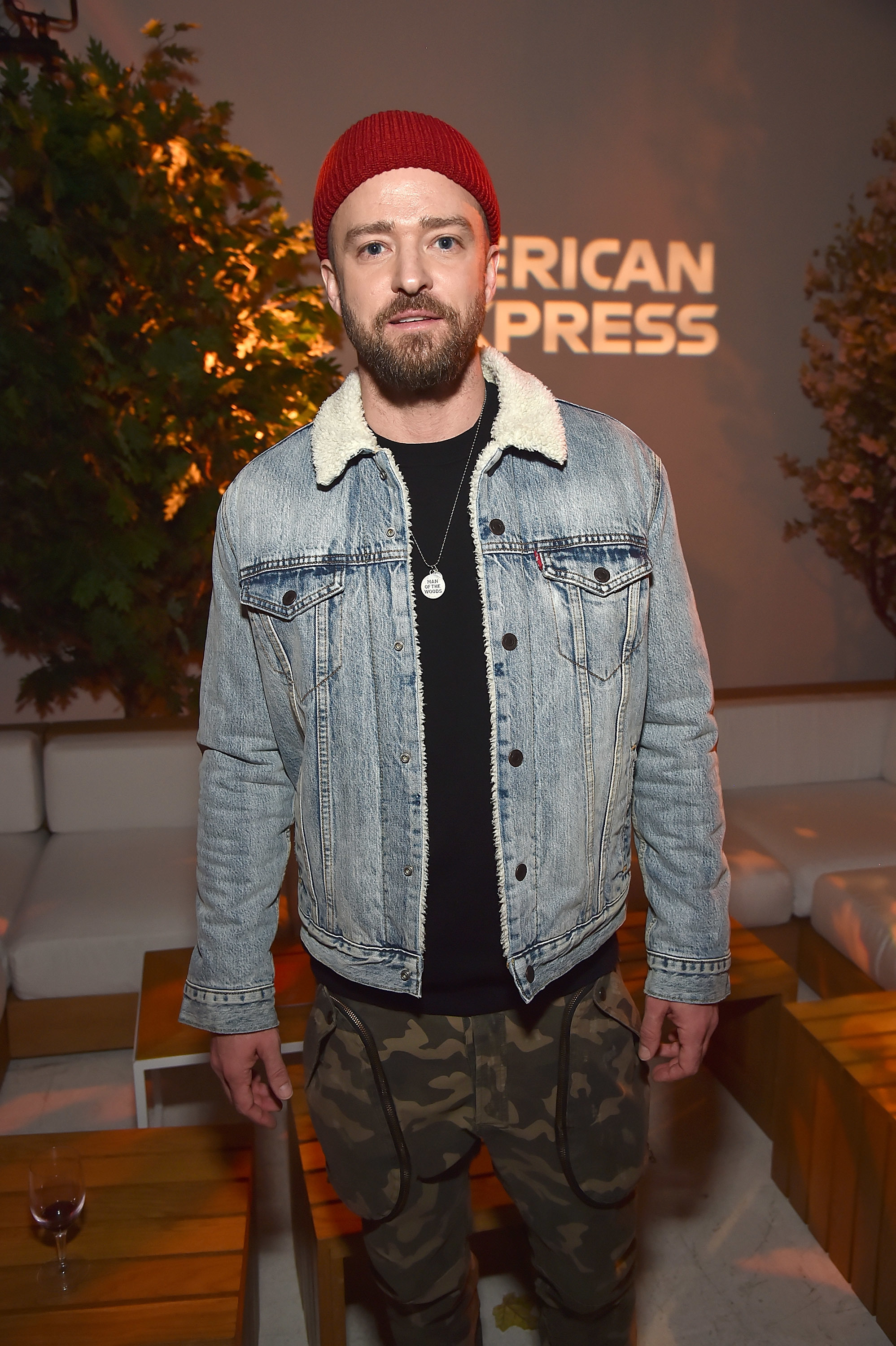 Justin Timberlake brings pizza to popup shop customers