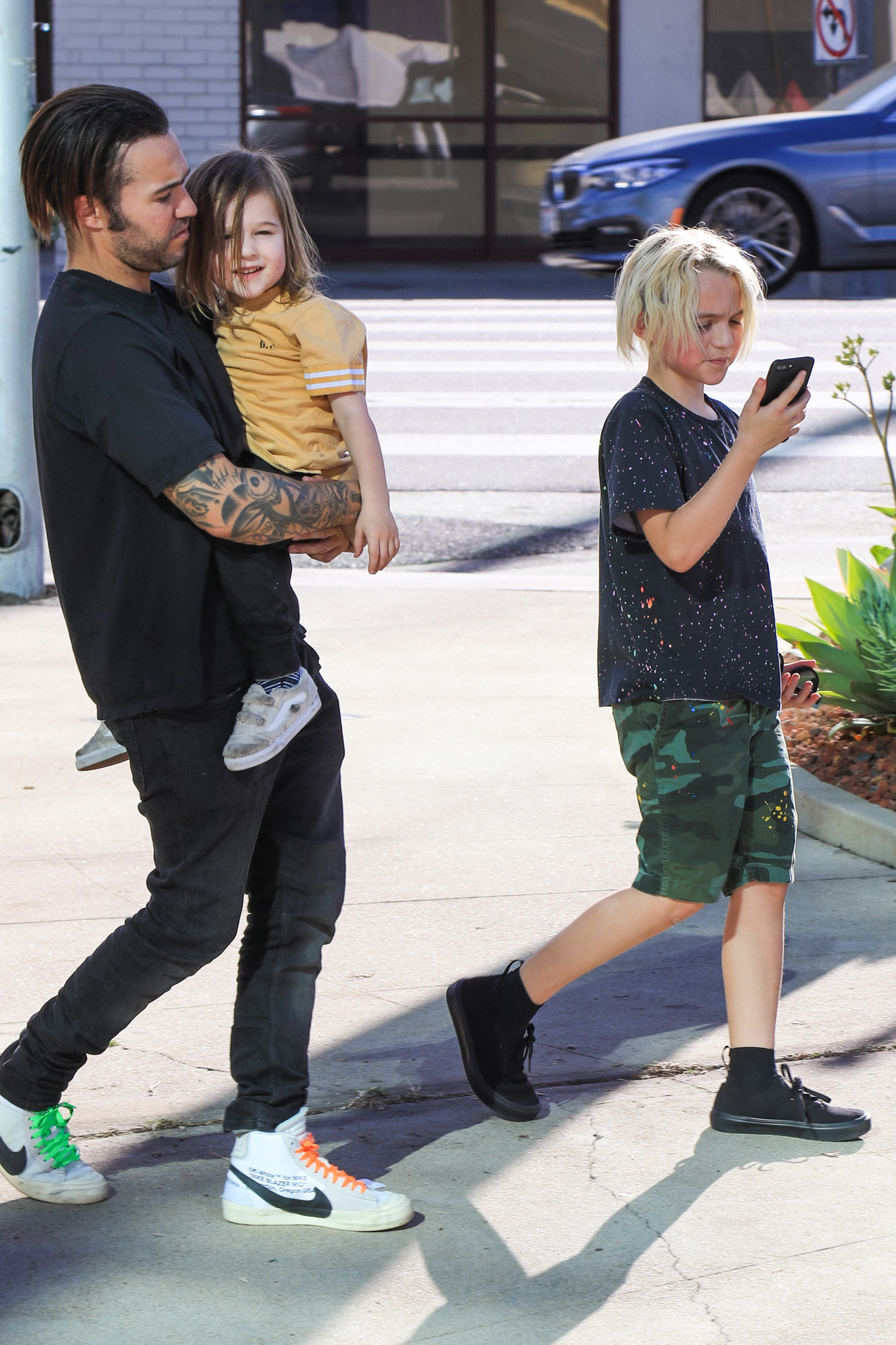 Pete Wentz steps out with his sons, Saint and Bronx, in Los Angeles on Jan. 14, 2018.