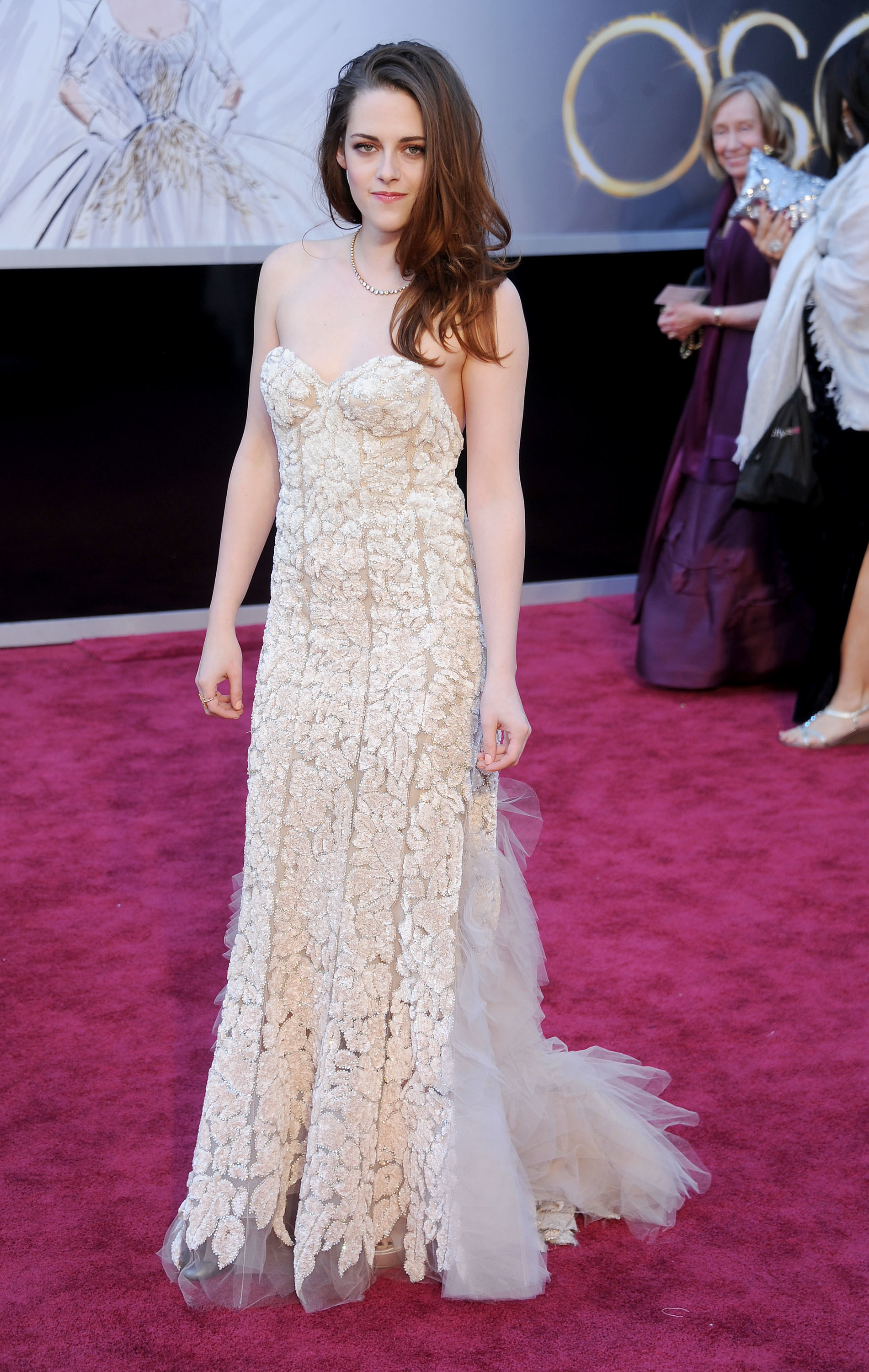 Kristen Stewart arrives at the Oscars at Hollywood & Highland Center  in Hollywood on Feb 24, 2013.
