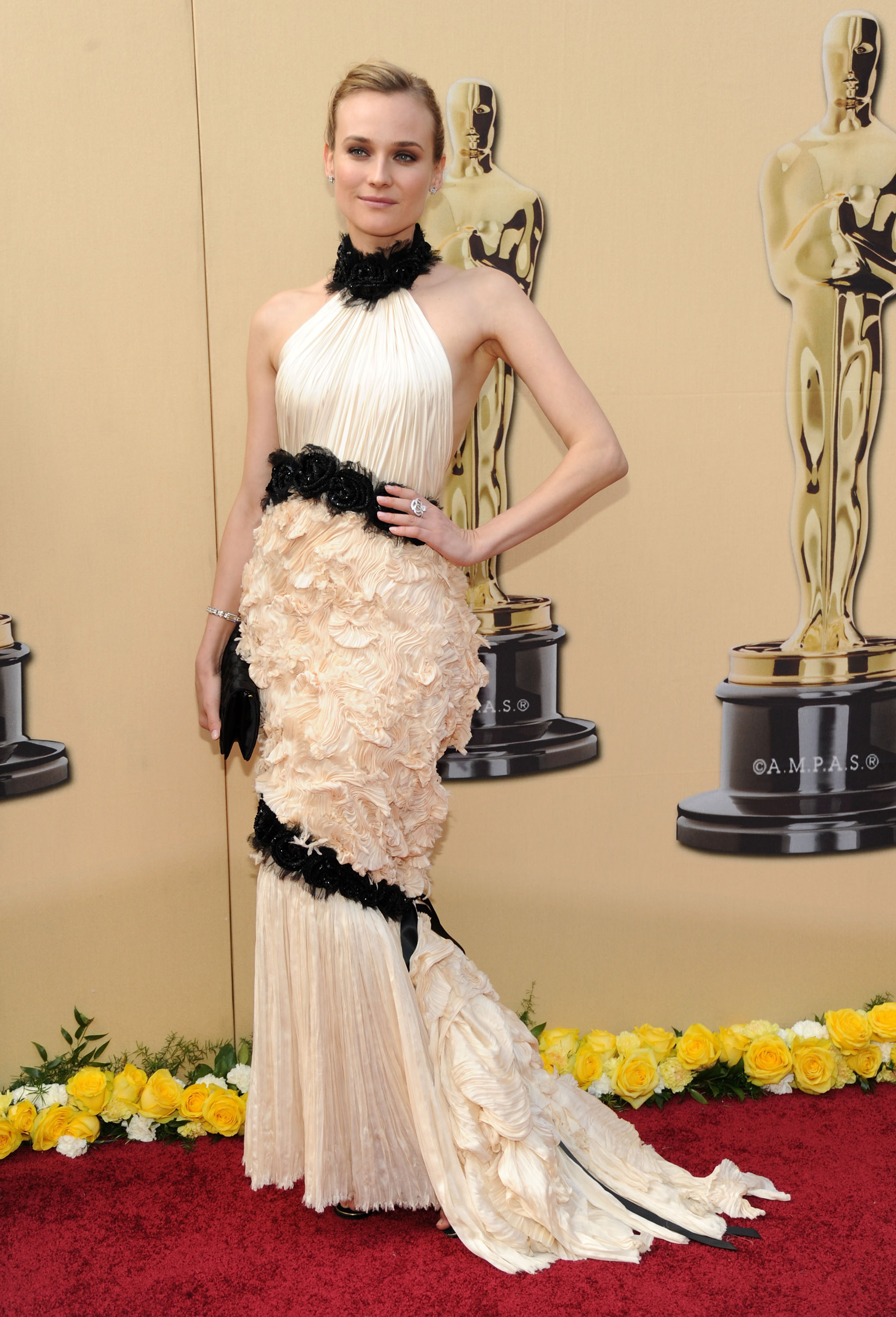 Diane Kruger arrives at the 82nd Annual Academy Awards at the Kodak Theatre in Hollywood on March 7, 2010.
