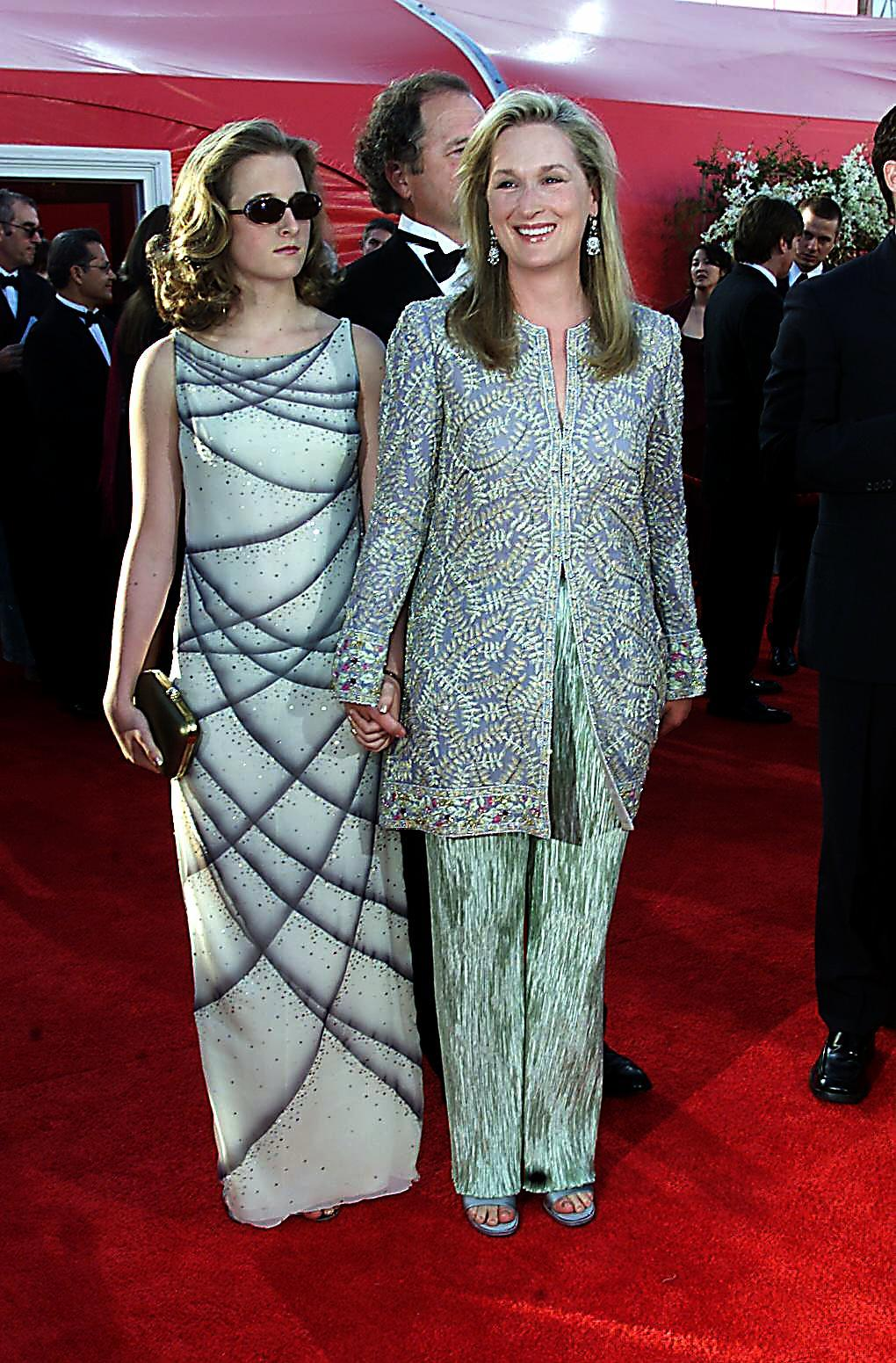 Meryl Streep and daughter Mamie Gummer arrive at the Academy Awards at the Shrine Auditorium in Los Angeles on March 26, 2000.