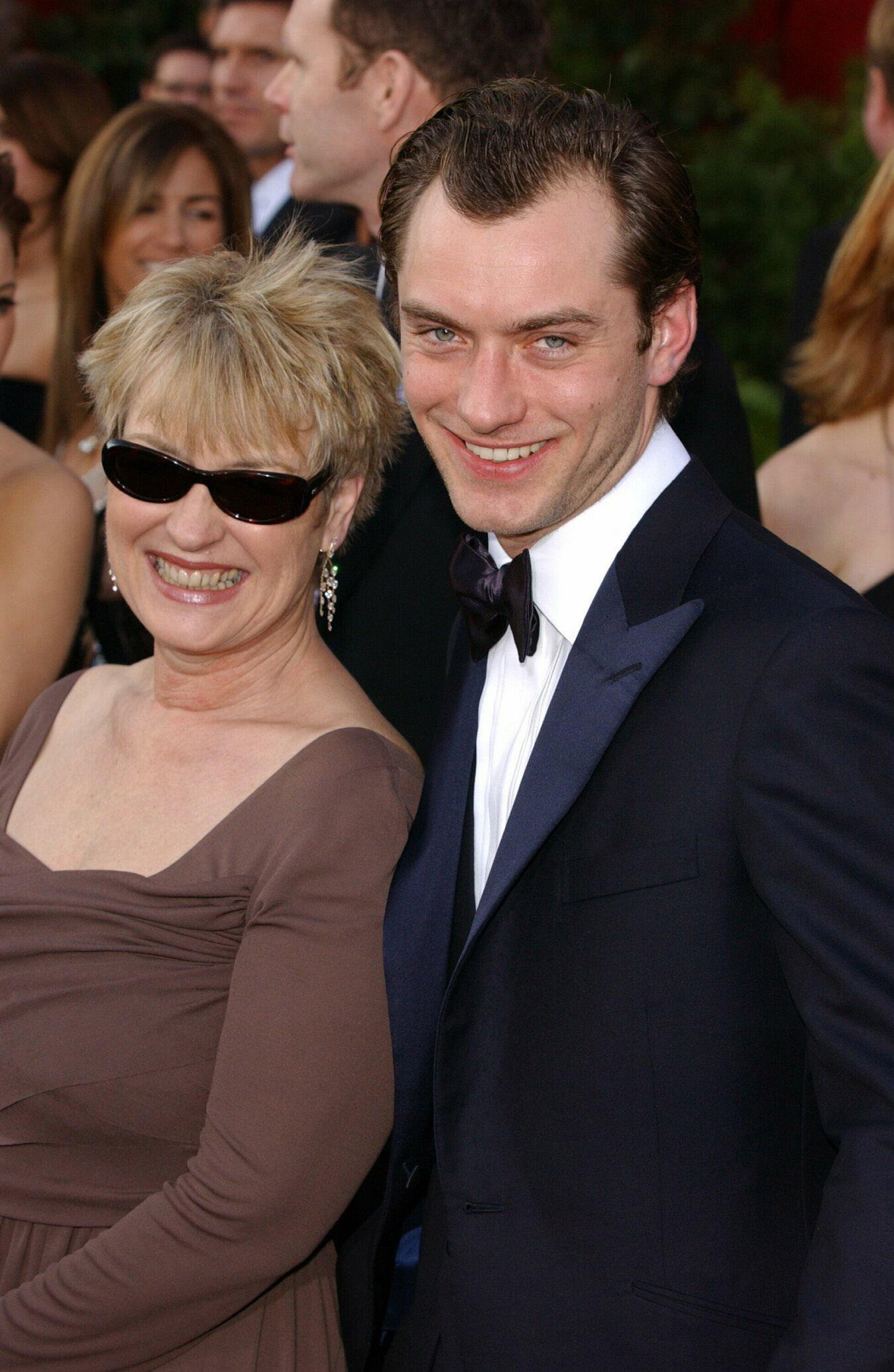 Actor Jude Law and his mother Maggie arrive at the Kodak Theatre in Los Angeles for the 76th Academy Awards on Feb. 29, 2004.
