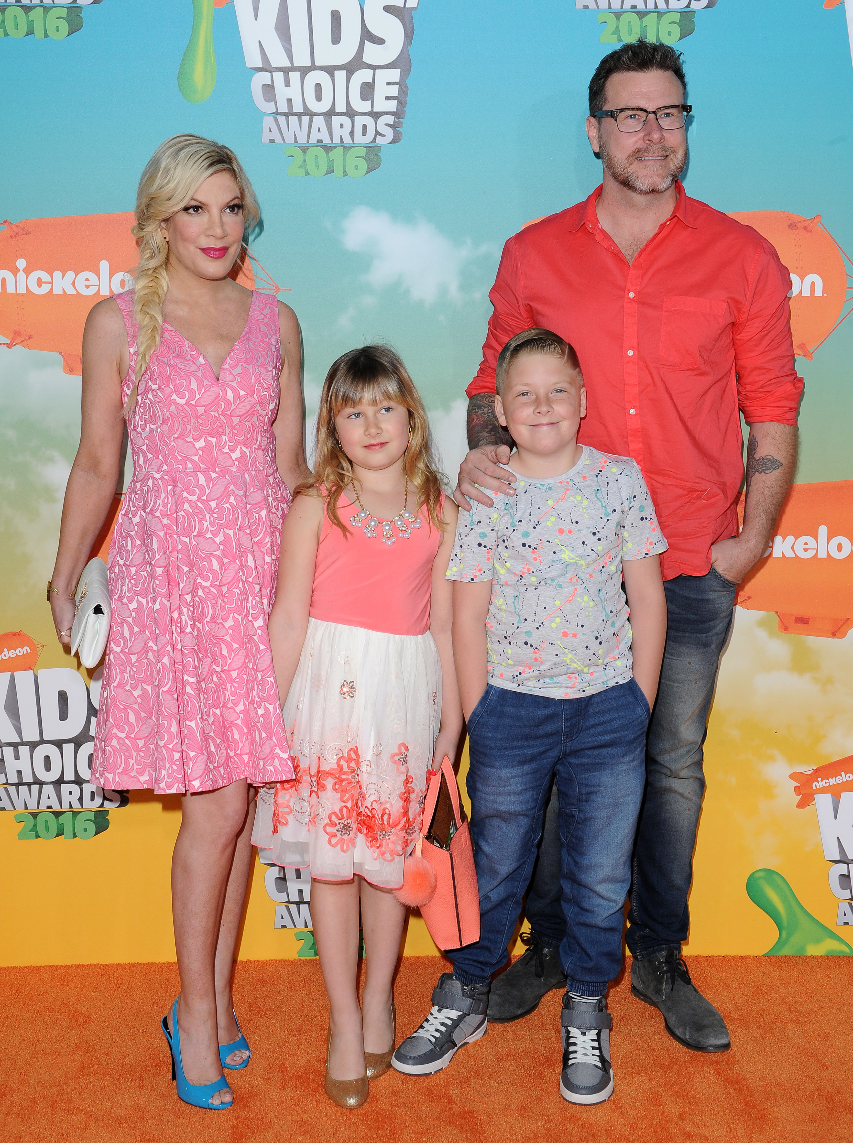 Tori Spelling, Stella Doreen McDermott, Liam Aaron McDermott and Dean McDermott attend Nickelodeon's 2016 Kids' Choice Awards in Inglewood on March 12, 2016.