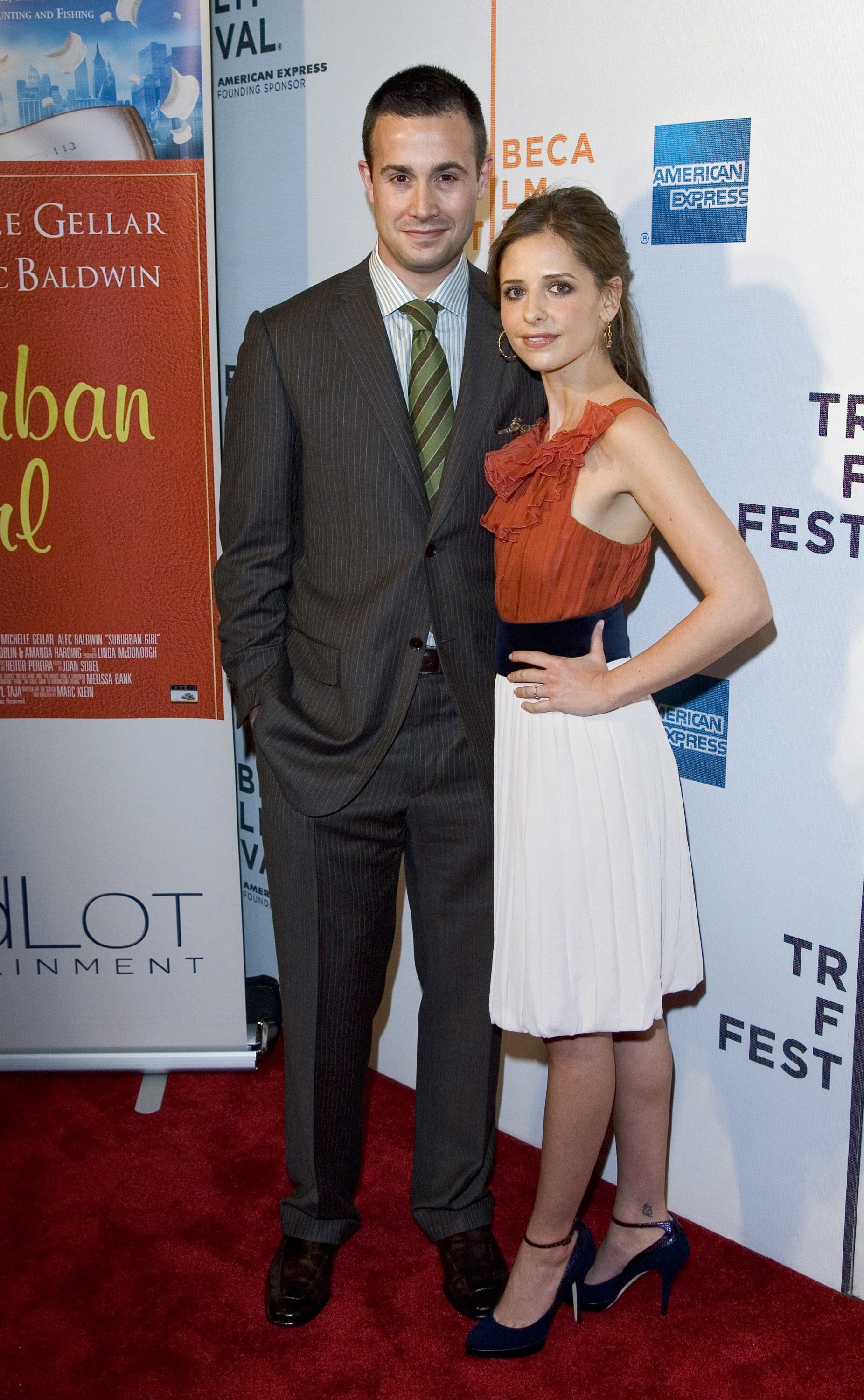 "Freddie Prinze, Jr. and Sarah Michelle Gellar attend The Wall Street Journal, Cinetic Media and OddLot Entertainment World premiere of ""Suburban Girl"" at the Tribeca Film Festival on April 27, 2007."