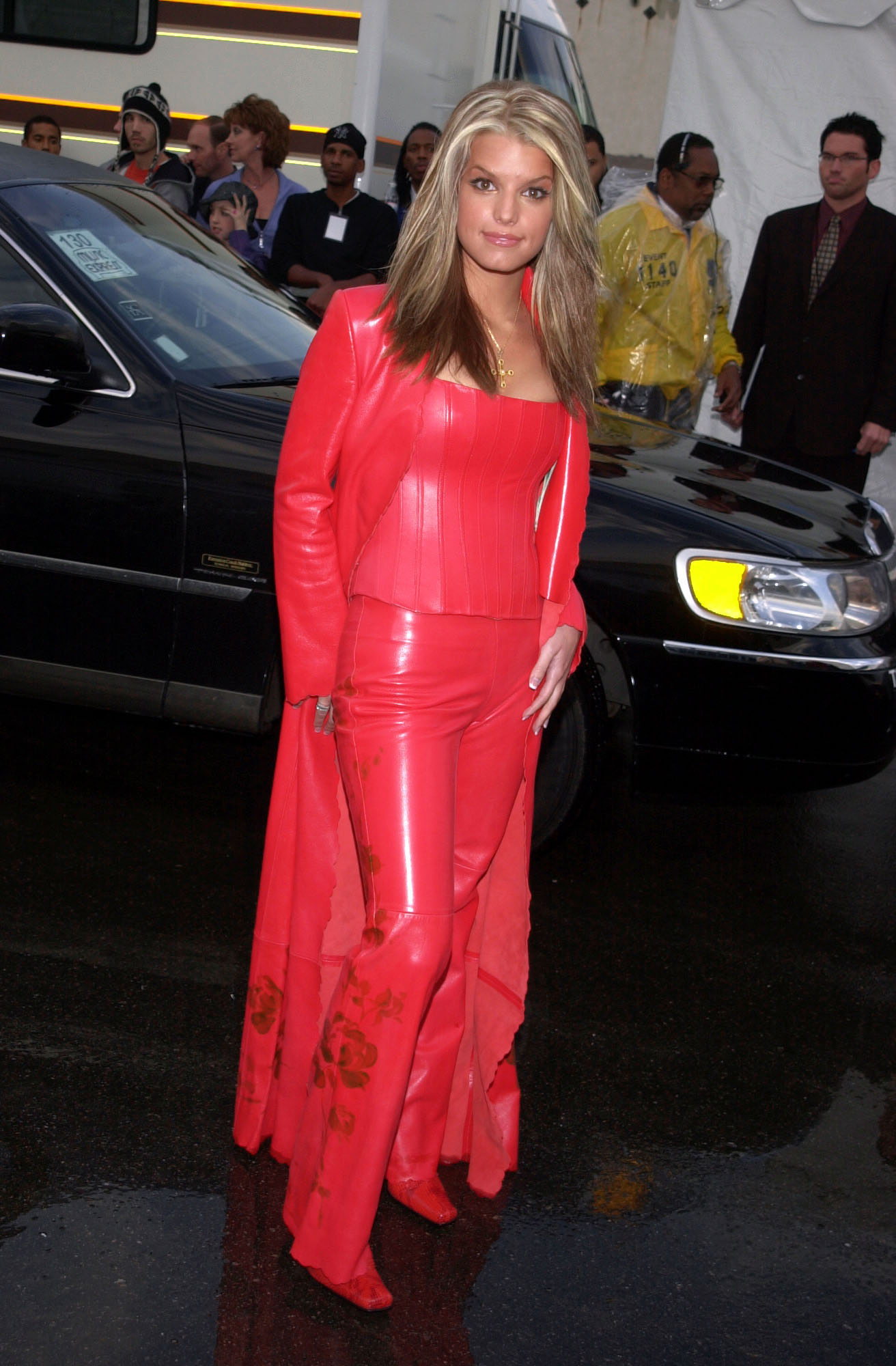 Jessica Simpson attends the 28th annual American Music Awards, held at the Shrine Auditorium in Los Angeles, California, on Jan. 8, 2001.