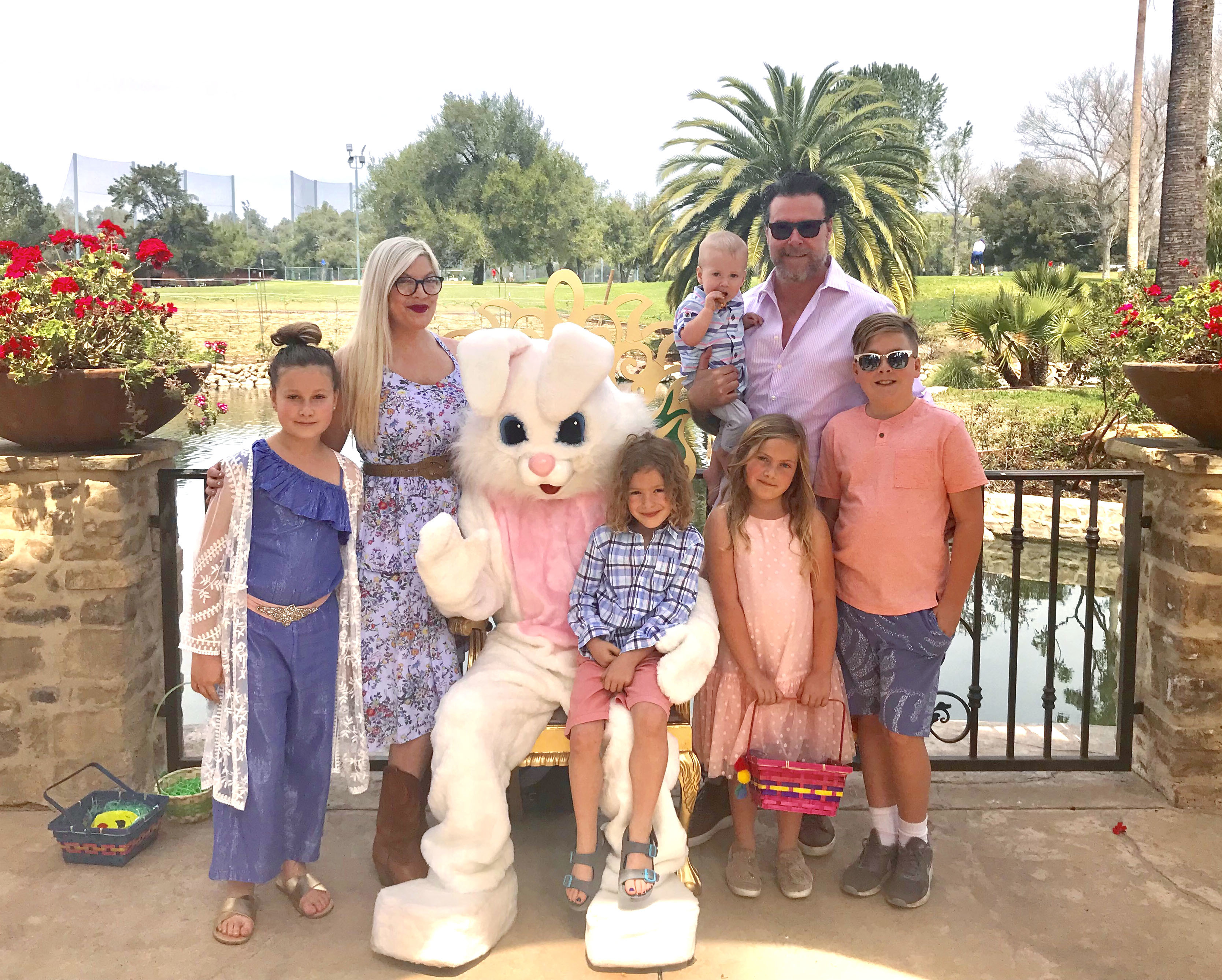 Tori Spelling and husband Dean McDermott and their five children, Liam, Stella, Hattie, Finn and Beau celebrate Easter at the Westlake Valley Inn in New York on April 1, 2018.