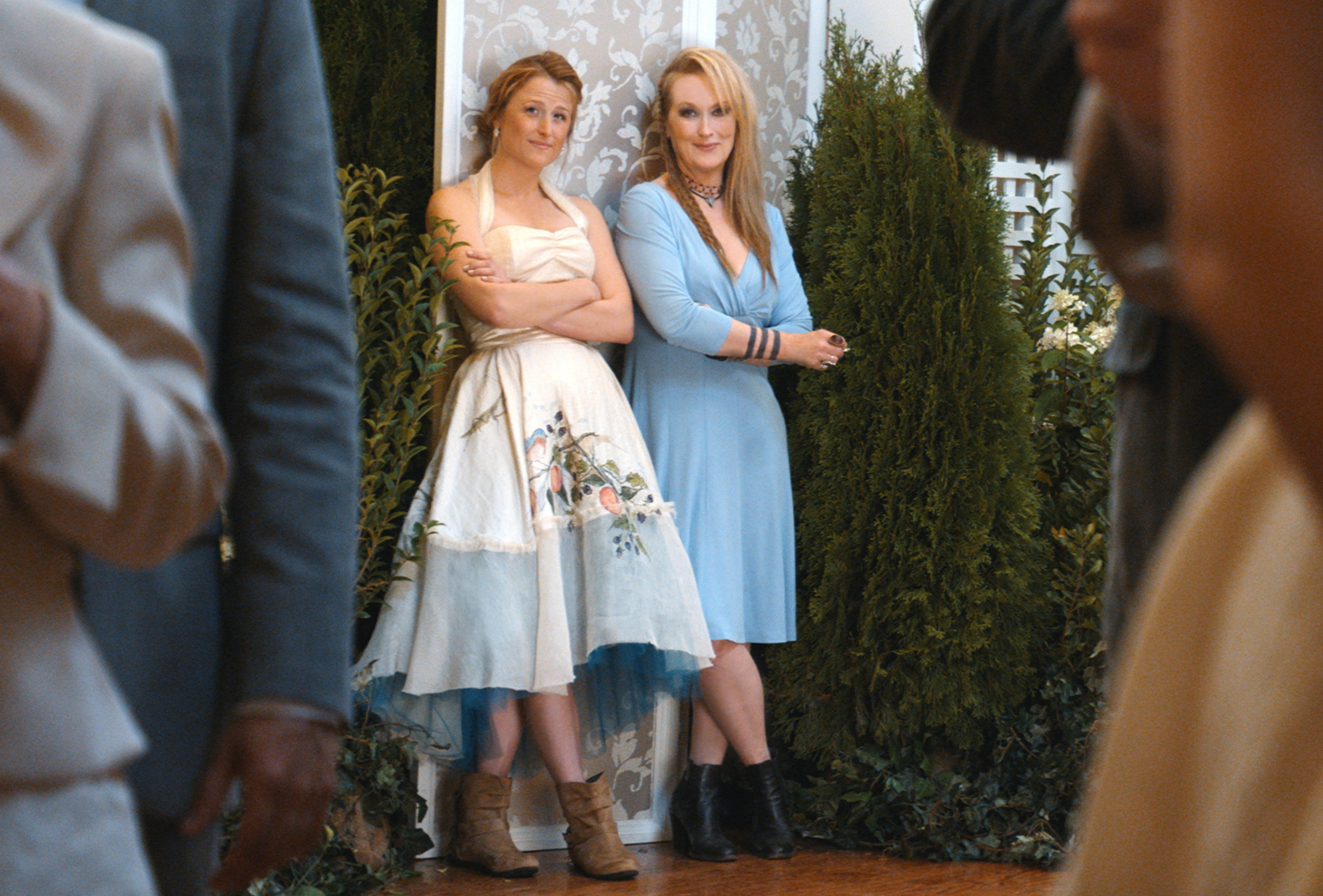 """Mamie Gummer and Meryl Streep are shown on the set of """"Ricki and the Flash"""" in 2015."""