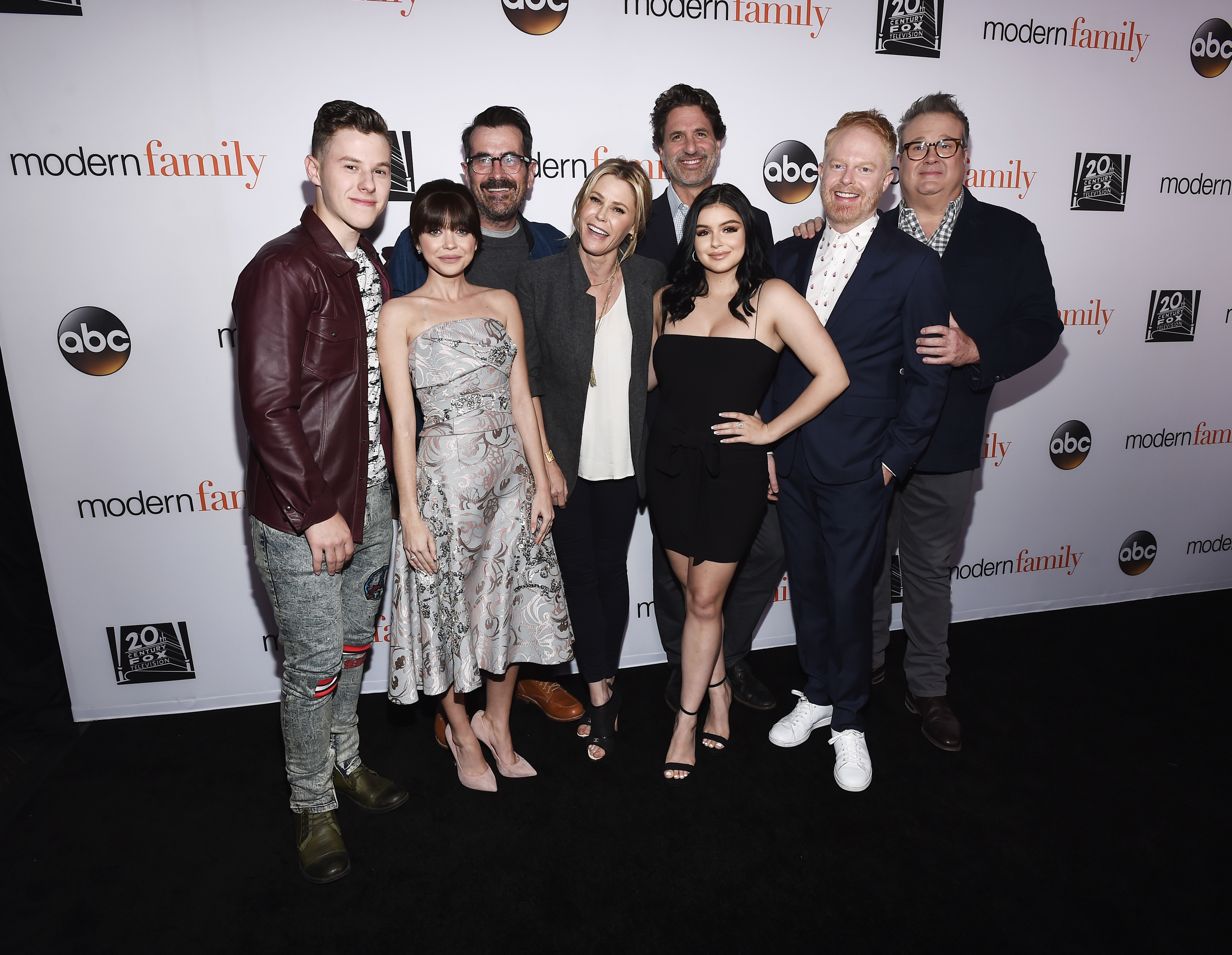 """Nolan Gould, Sarah Hyland, Ty Burrell and Julie Bowen, executive producer Steven Levitan and actors Ariel Winter, Jesse Tyler Ferguson and Eric Stonestreet arrive at the FYC Event for ABC's """"Modern Family"""" at Avalon in Hollywood on April 16, 2018."""