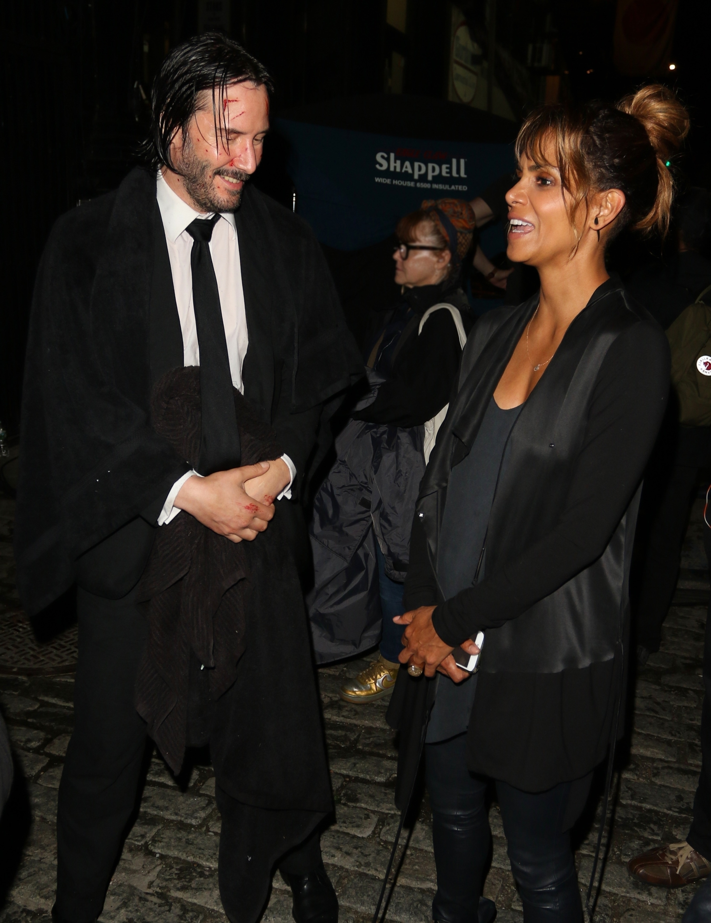 5ad6f44e6d Romance rumors hit Keanu Reeves and Halle Berry