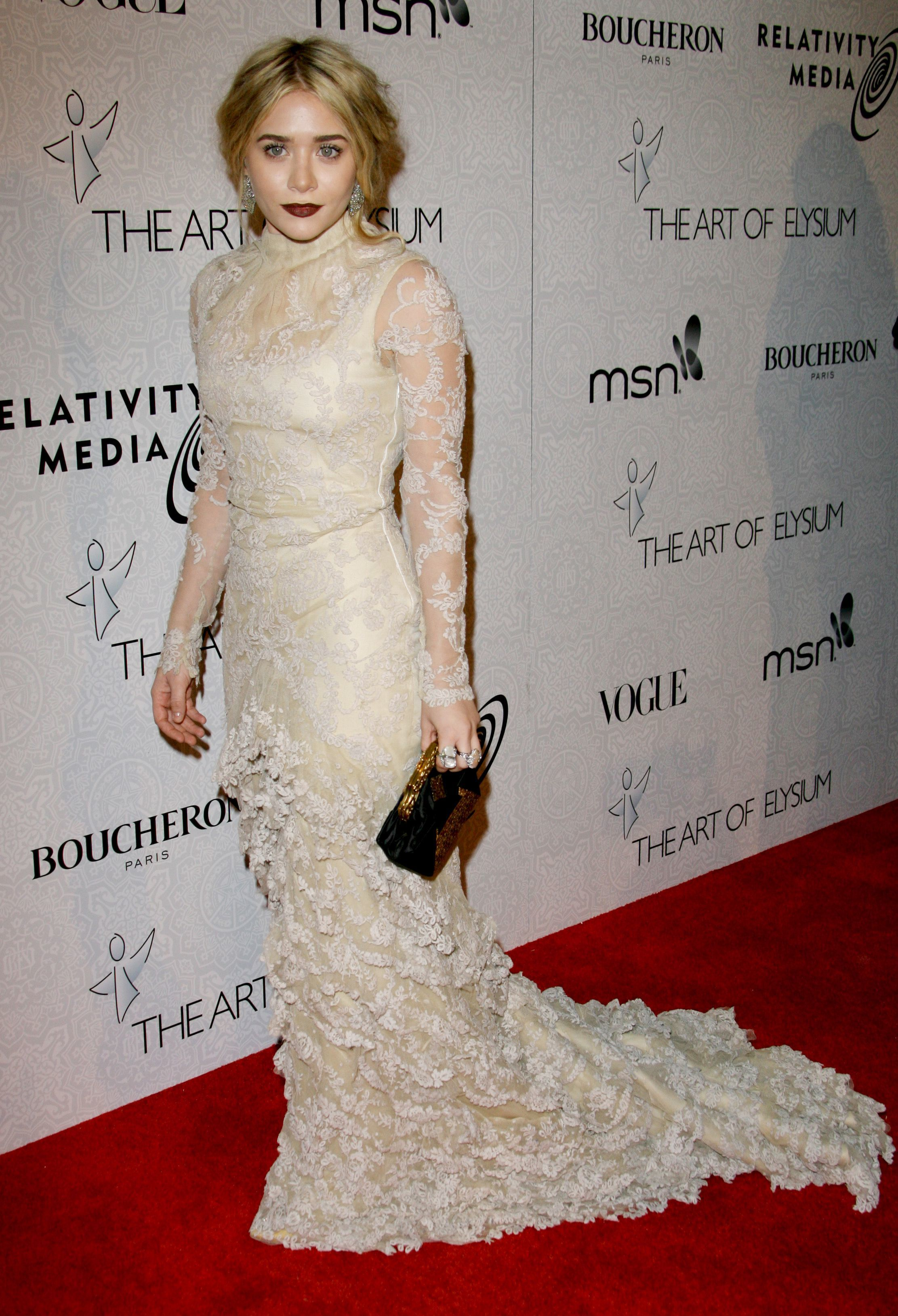 Ashley Olsen attends The Art of Elysium's 3rd Annual Black Tie Gala 'Heaven' in Beverly Hills on Jan. 16, 2010.