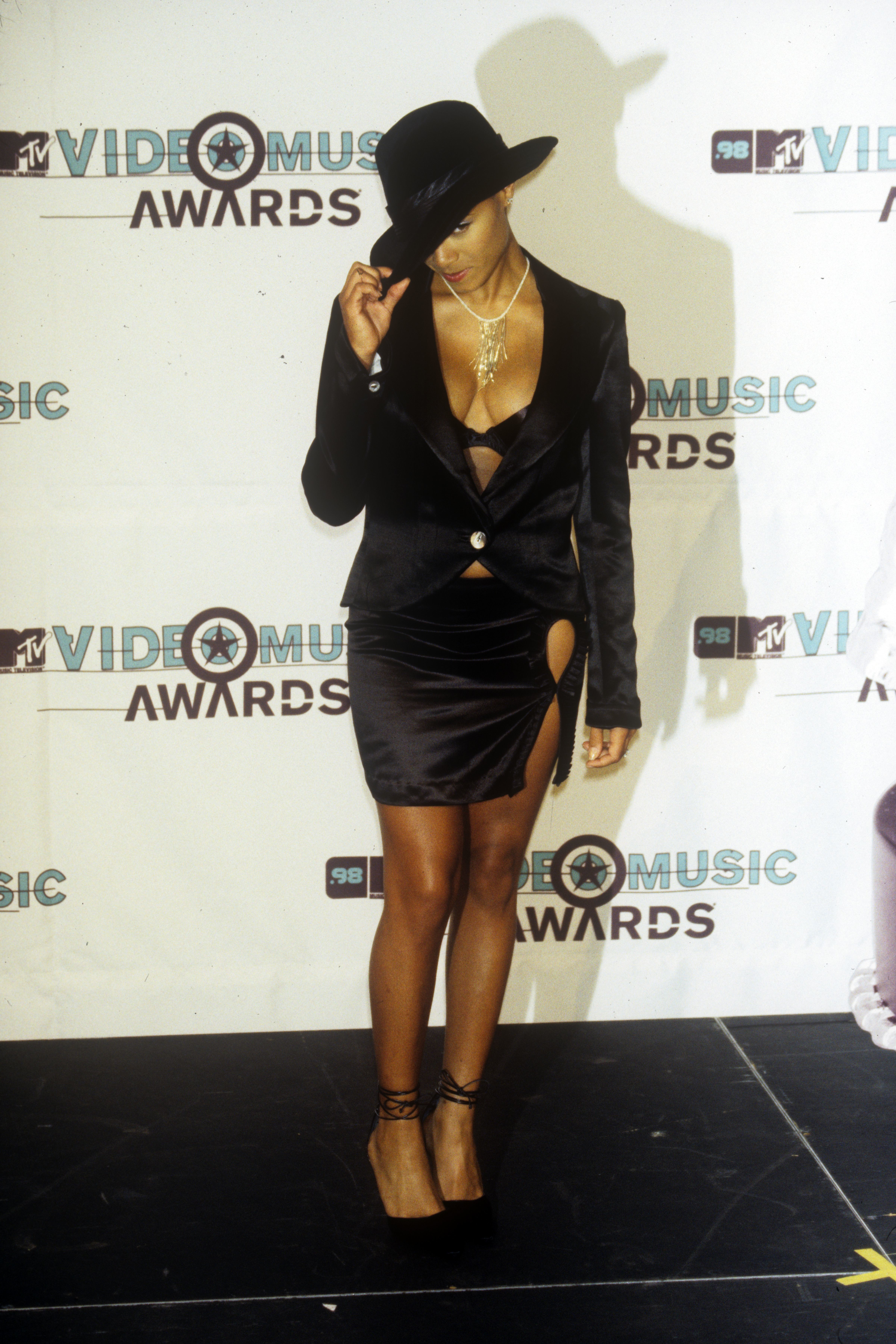 Jada Pinkett Smith attends the MTV Video Music Awards at the Gibson Amphitheatre in Los Angeles on Sept. 10, 1998.