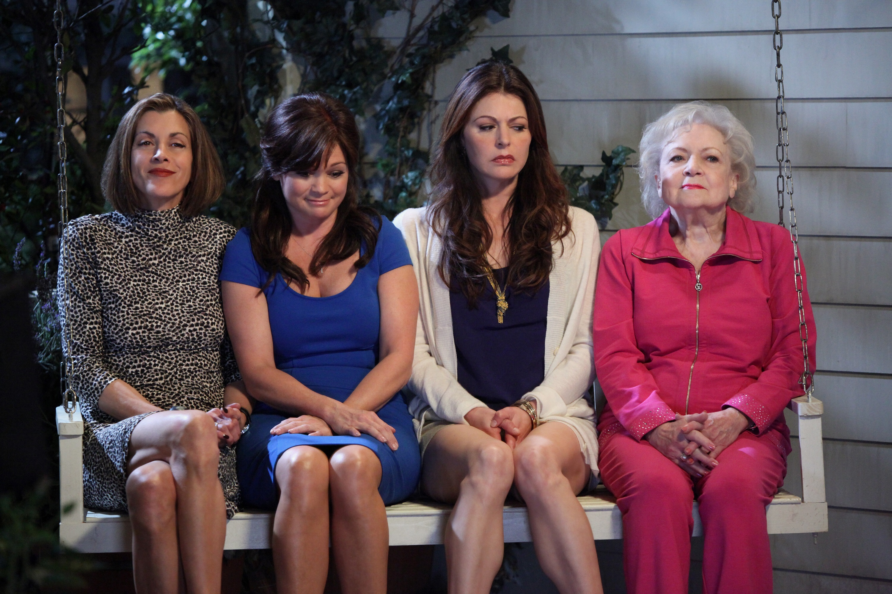 """Wendie Malick, Valerie Bertinelli, Jane Leeves and Betty White in """"Hot in Cleveland"""" in 2010."""