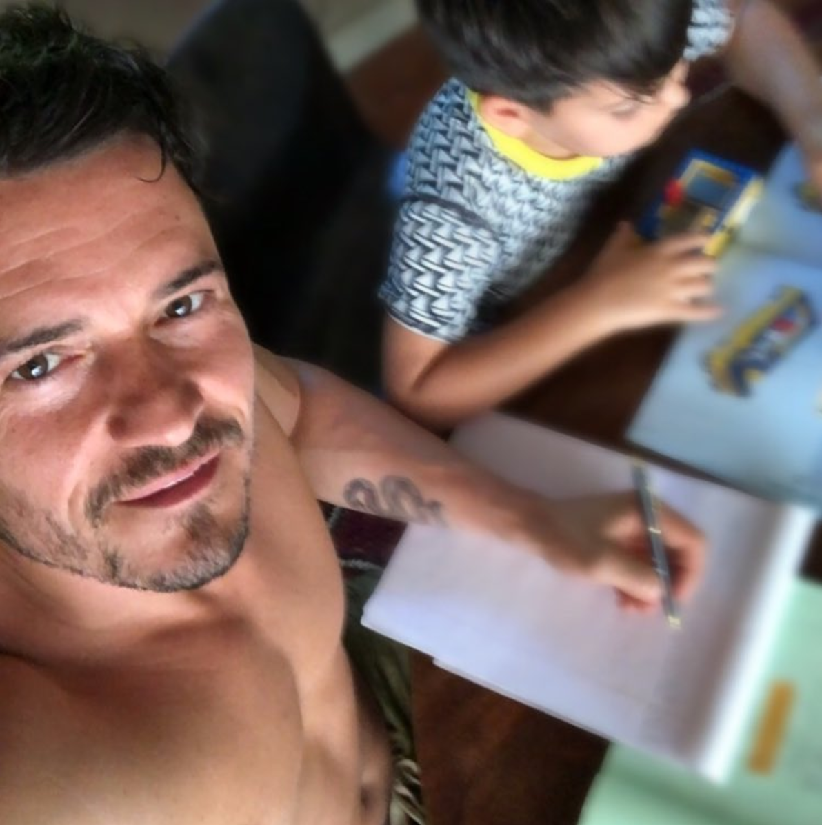 """""""line learning and LEGO the #joy #simple #pleasure 's ❤️👊🏻🙌🏻,"""" Orlando Bloom wrote on Instagram on June 27, 2018."""