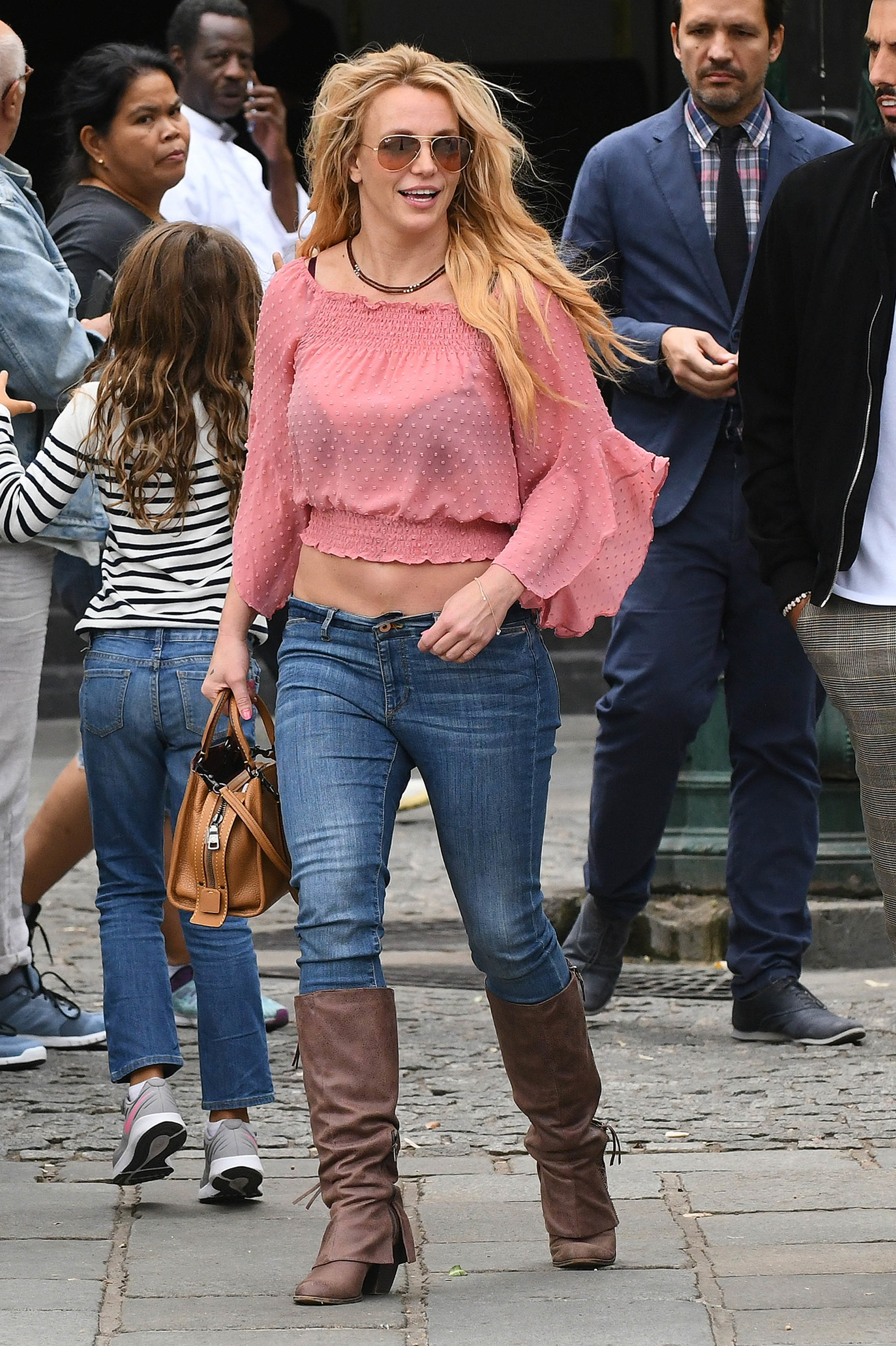 Britney Spears leaves lunch at the Societe Restaurant in Paris on Aug. 28, 2018.