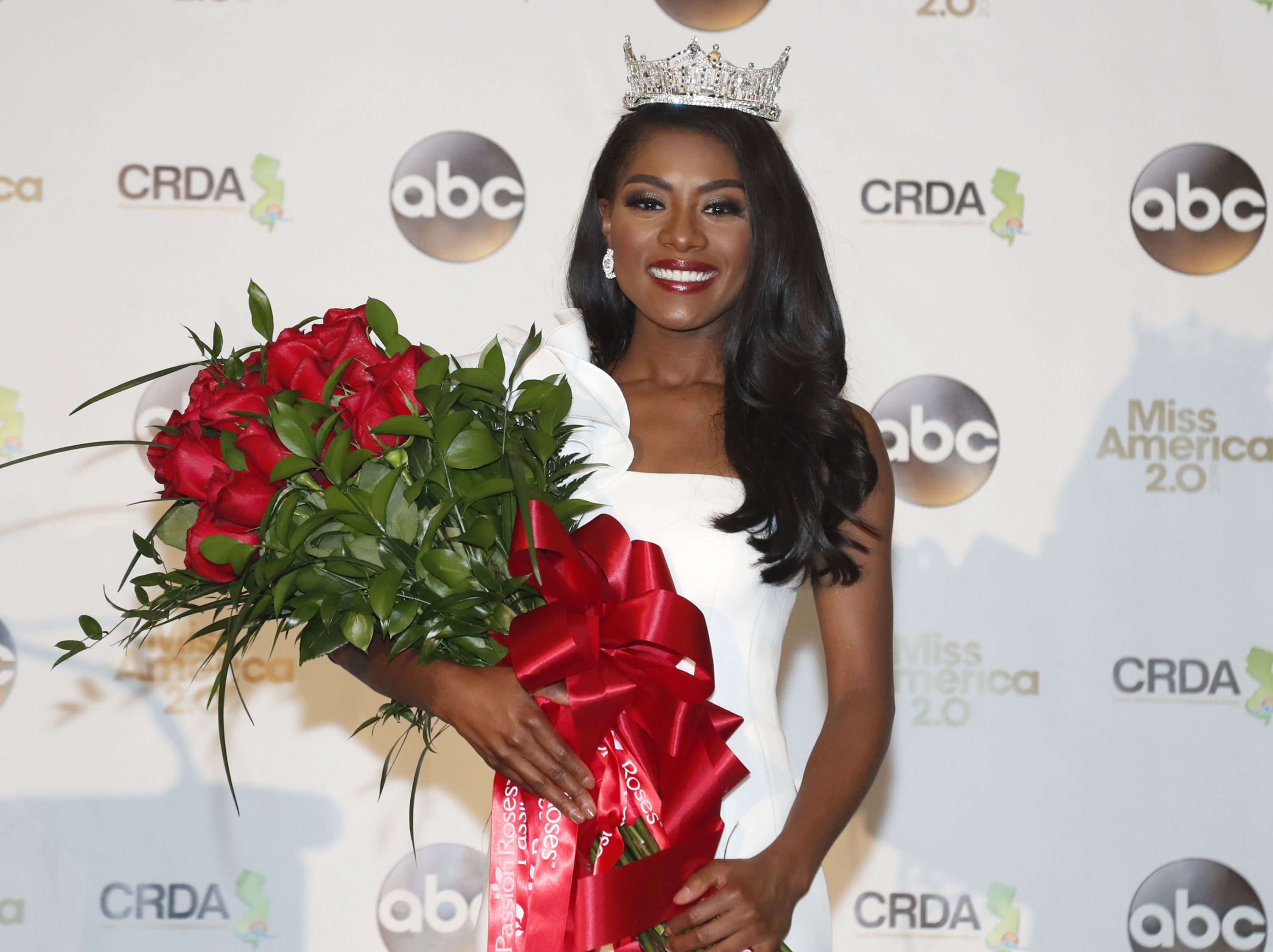 Miss New York wins Miss America pageant