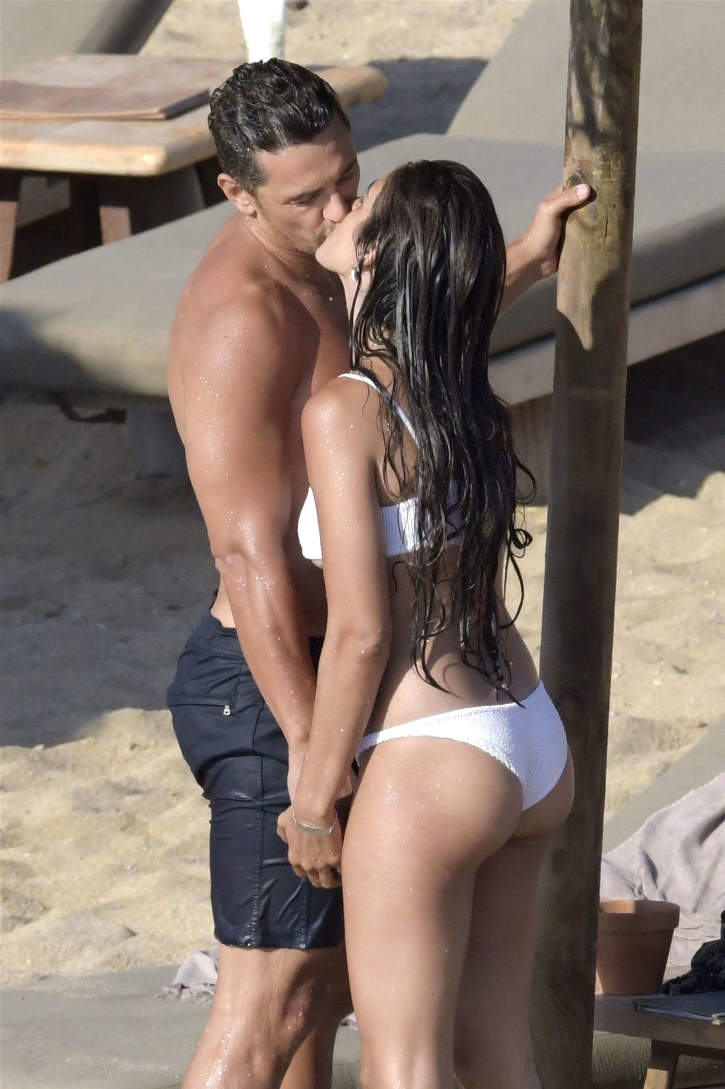 James Franco and girlfriend Isabel Pakzad are seen packing on the PDA while enjoying a romantic day at the beach in Mykonos on Sept. 7, 2018.