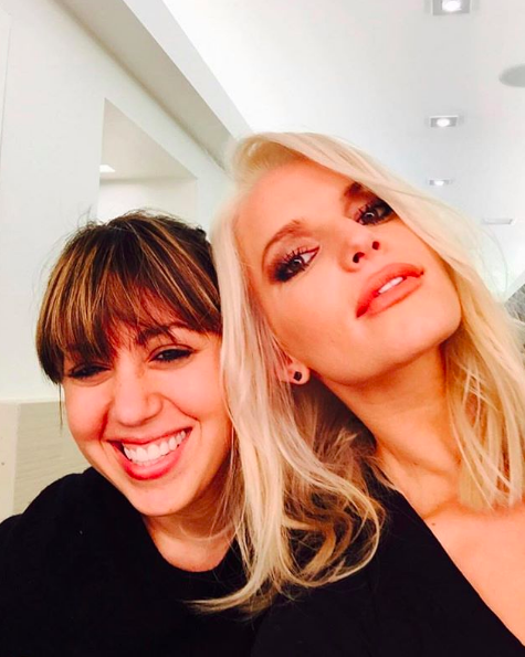 """Hi, @jessicasimpson!